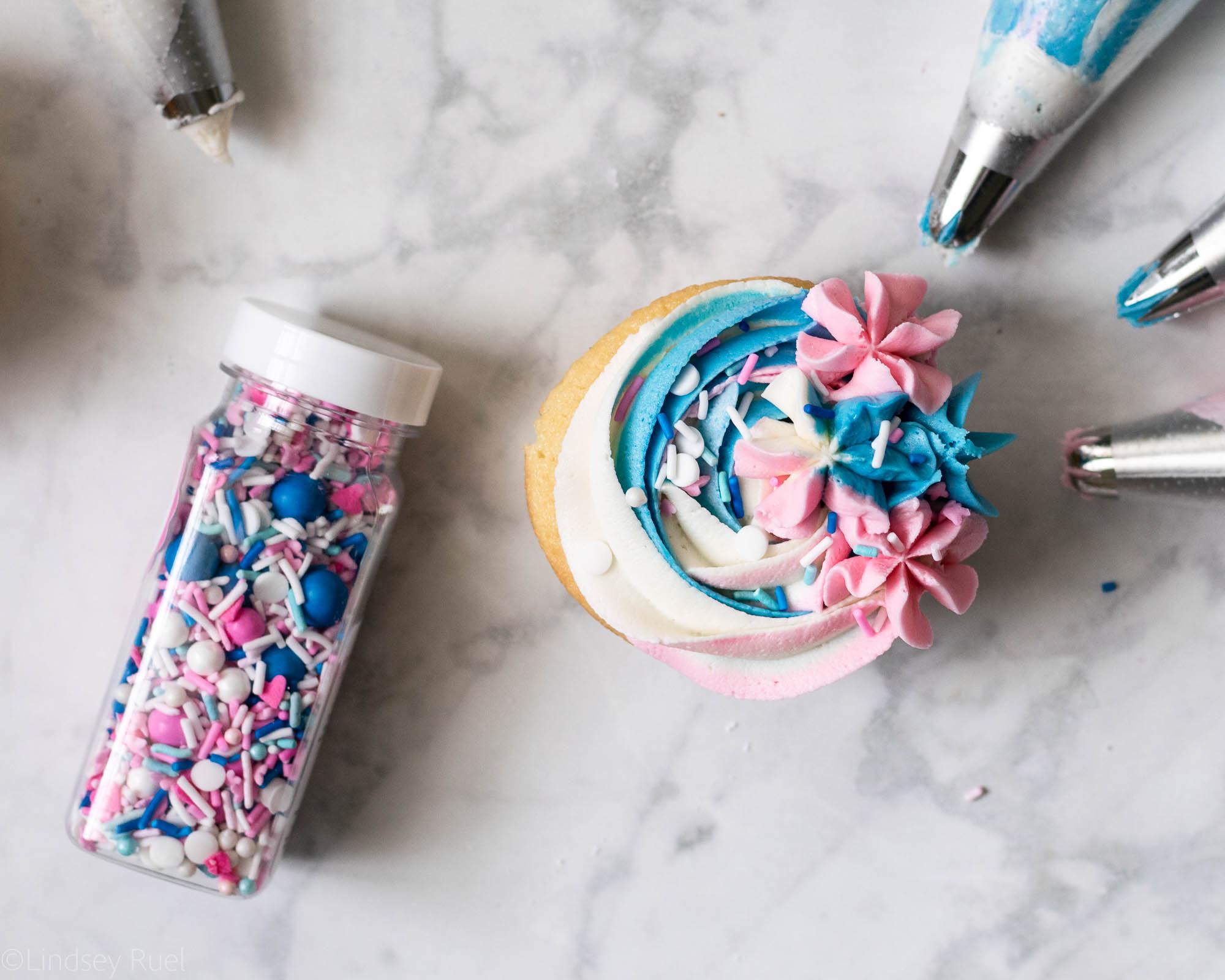 Gender-Reveal-Cupcakes-10.jpg