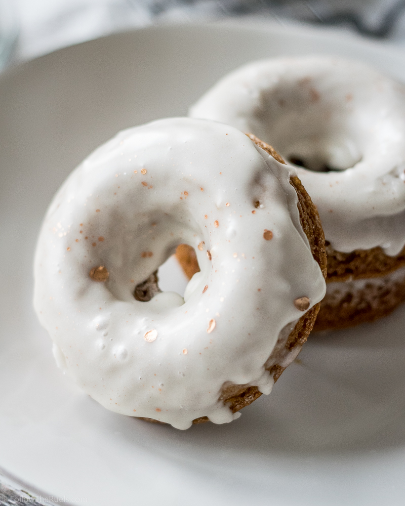 gingerbread-donuts-10