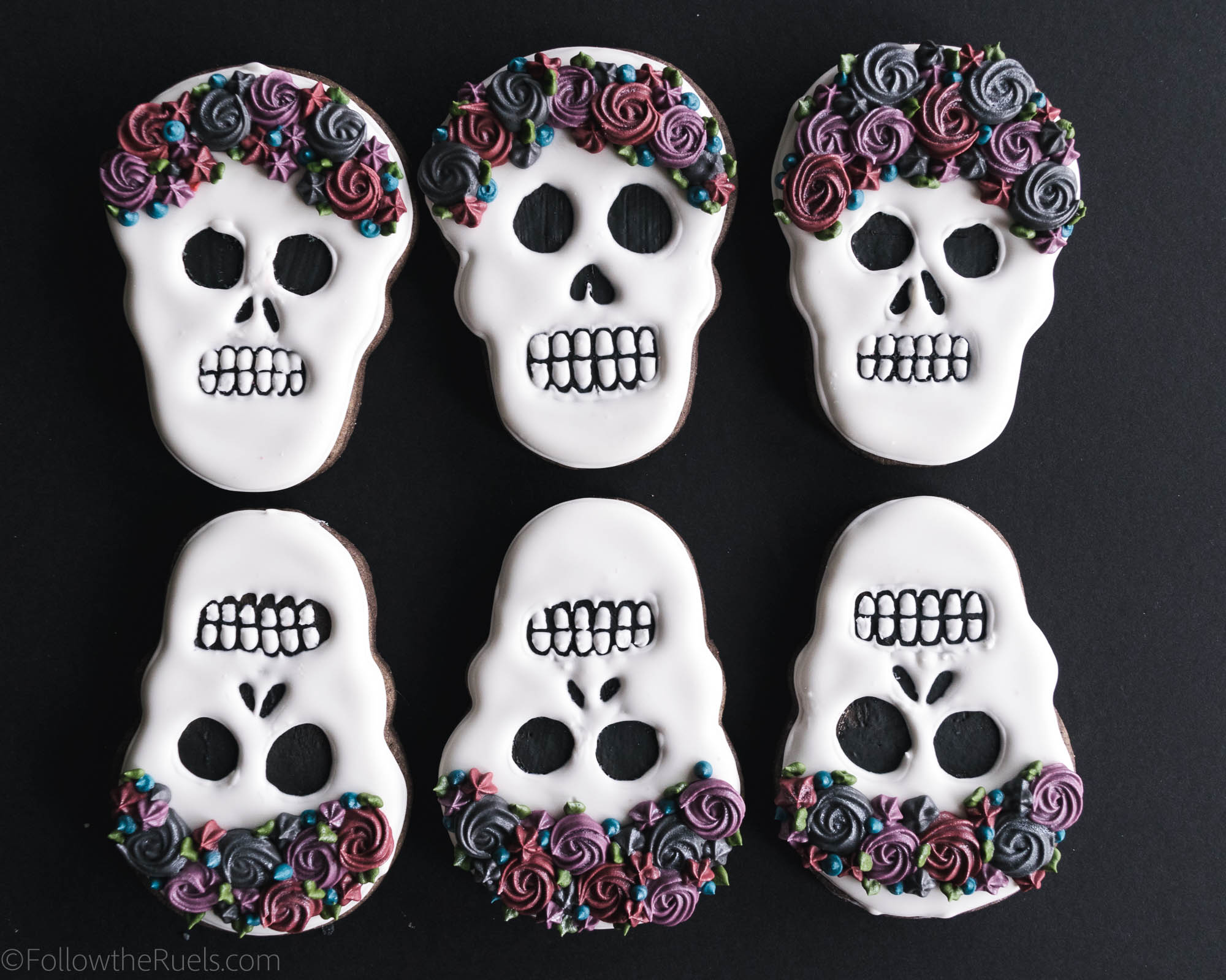 Halloween-Skull-Cookies-3.jpg