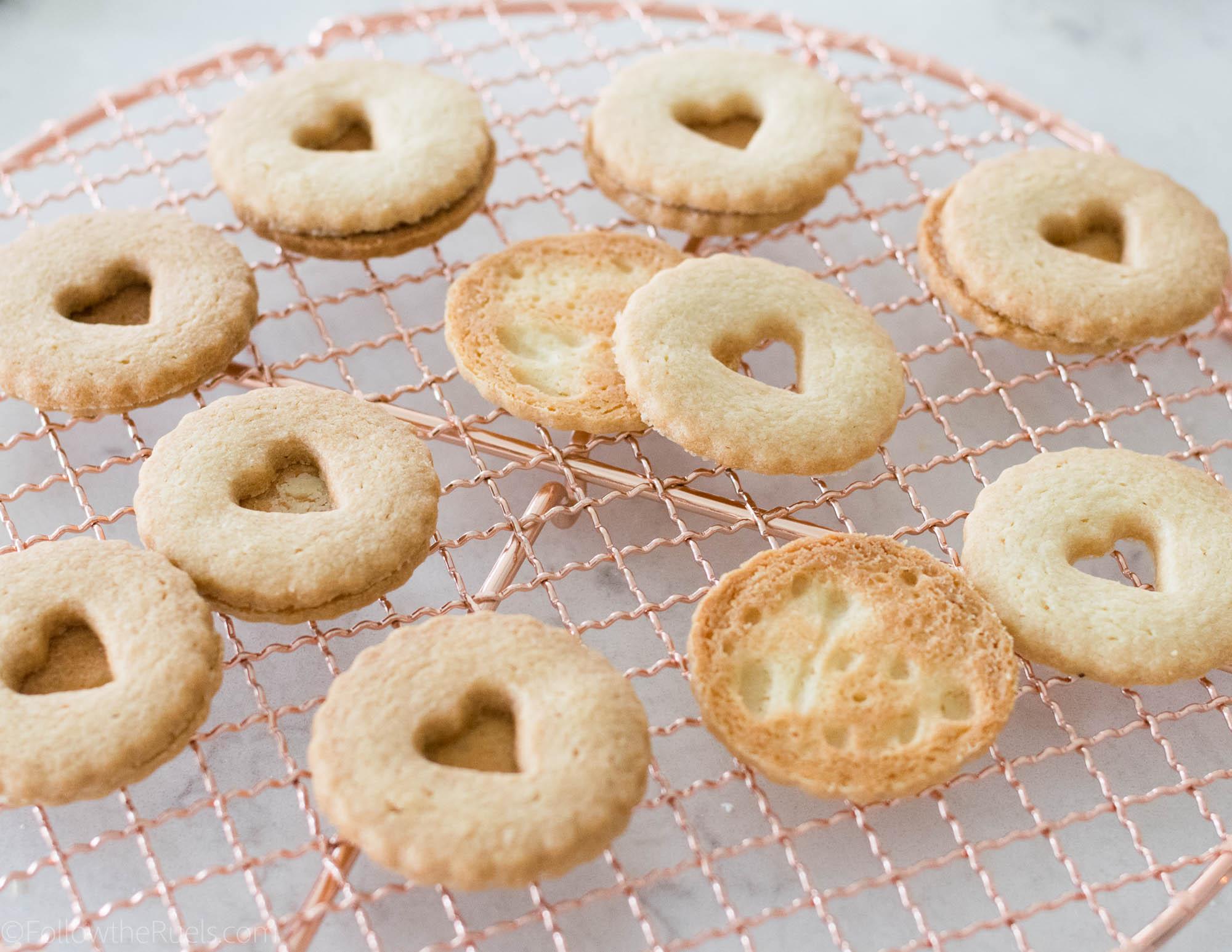 Nutella-Linzer-Cookies-5.jpg