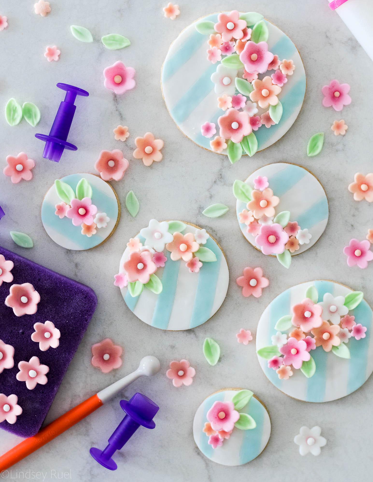 Fondant-Flower-Cookies-20.jpg