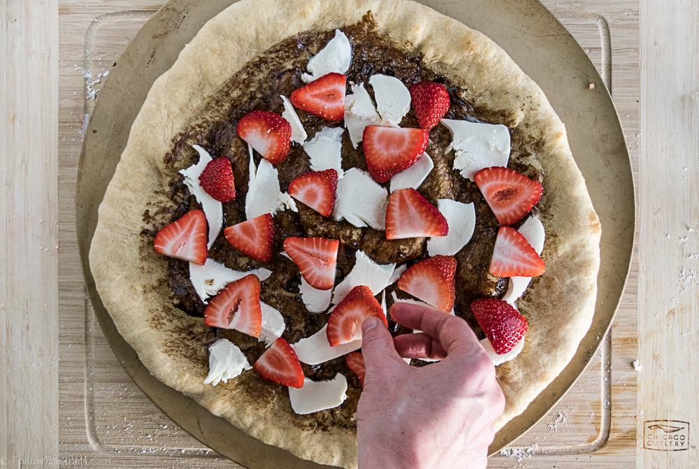 Strawberry Pizza-4 (2017_09_23 20_54_27 UTC).JPG