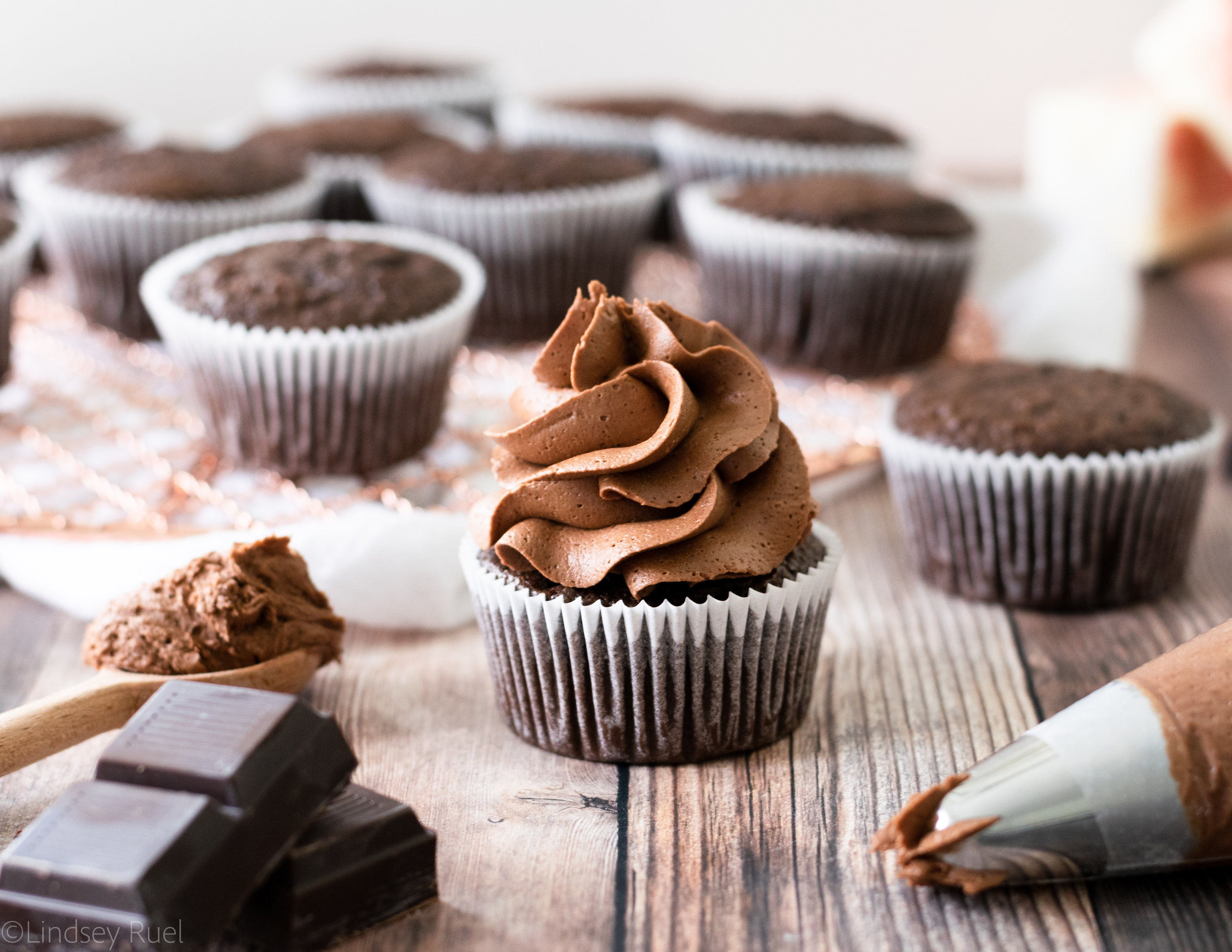 Chocolate Buttercream Frosting-10.jpg