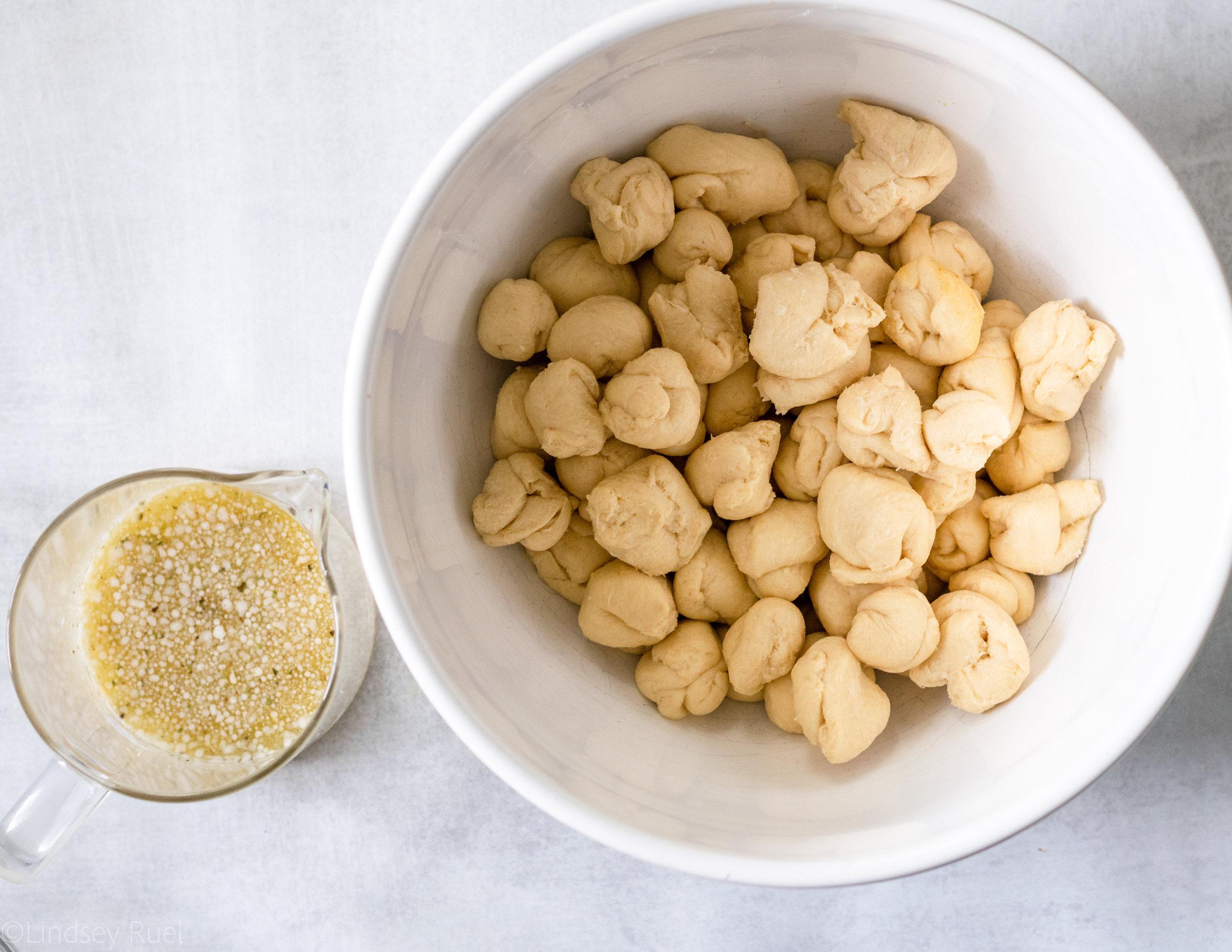 Cheesy Garlic Monkey Bread-2.jpg