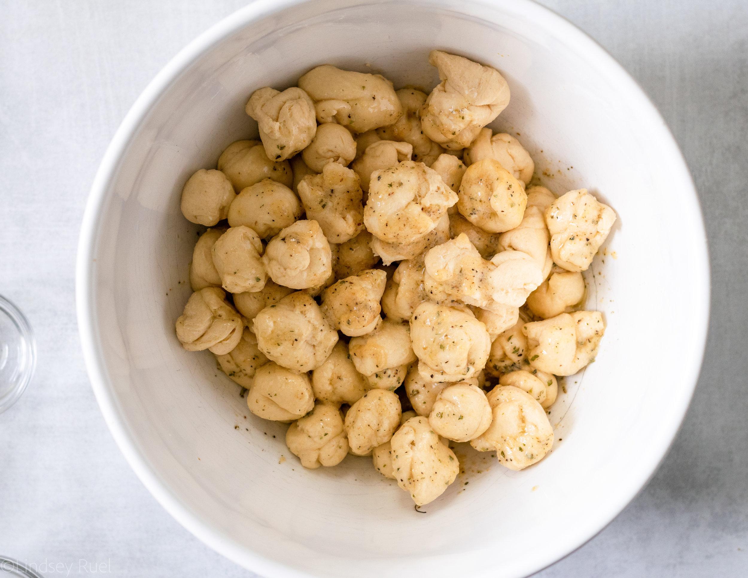 Cheesy Garlic Monkey Bread-3.jpg