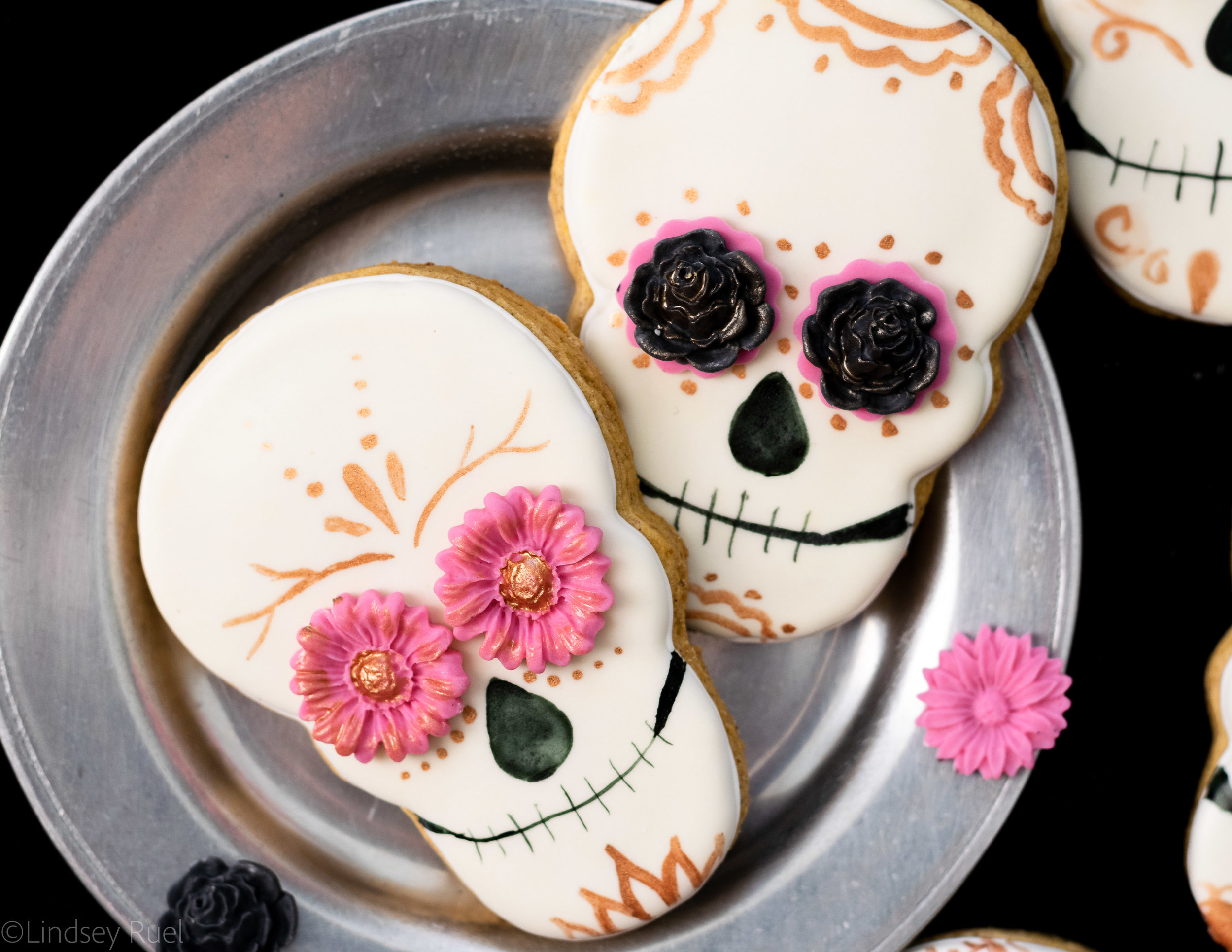 Dio de los Muertos Skull Cookies-2.jpg