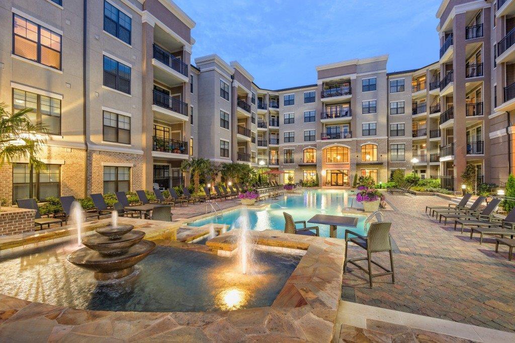 Heights at Brookleigh Pool Courtyard.jpg