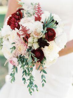 2190946583d96d198a7c2db4a29baad4--floral-photography-wedding-moments.jpg