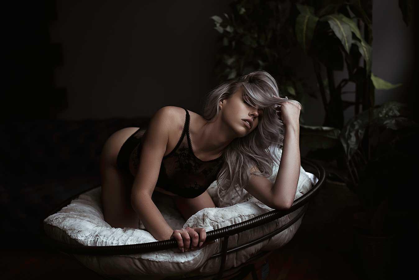 sitting-on-papasan-boudoir2.jpg