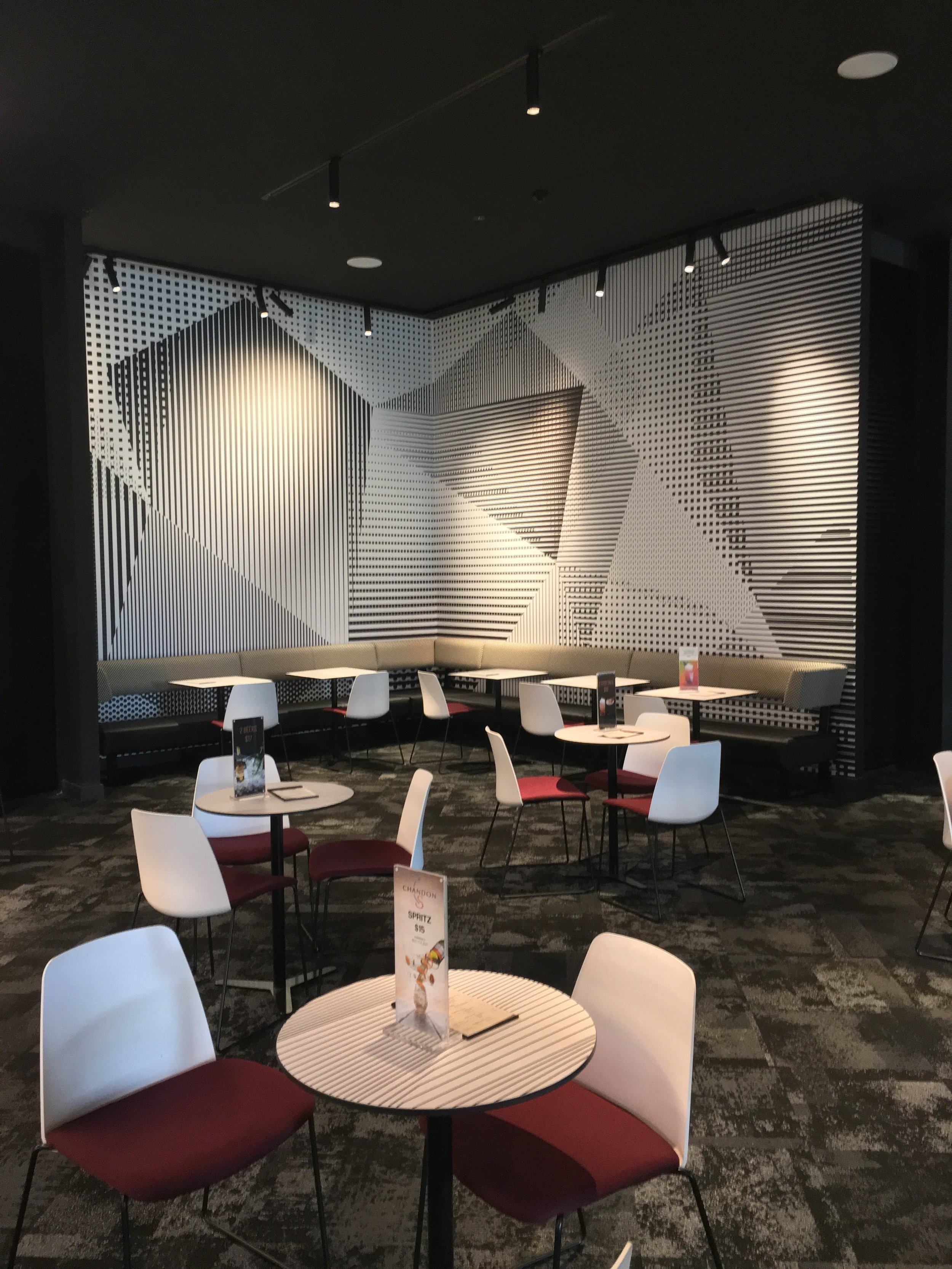 Eating / Pause Area   Digitally printed wall graphics