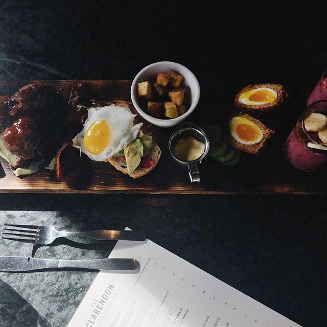Start your weekend right with a brunch board. Pairs perfectly with our make your own mimosa bar 😏 #seeyouattheclarendon • • 📷: @ericvancestudio