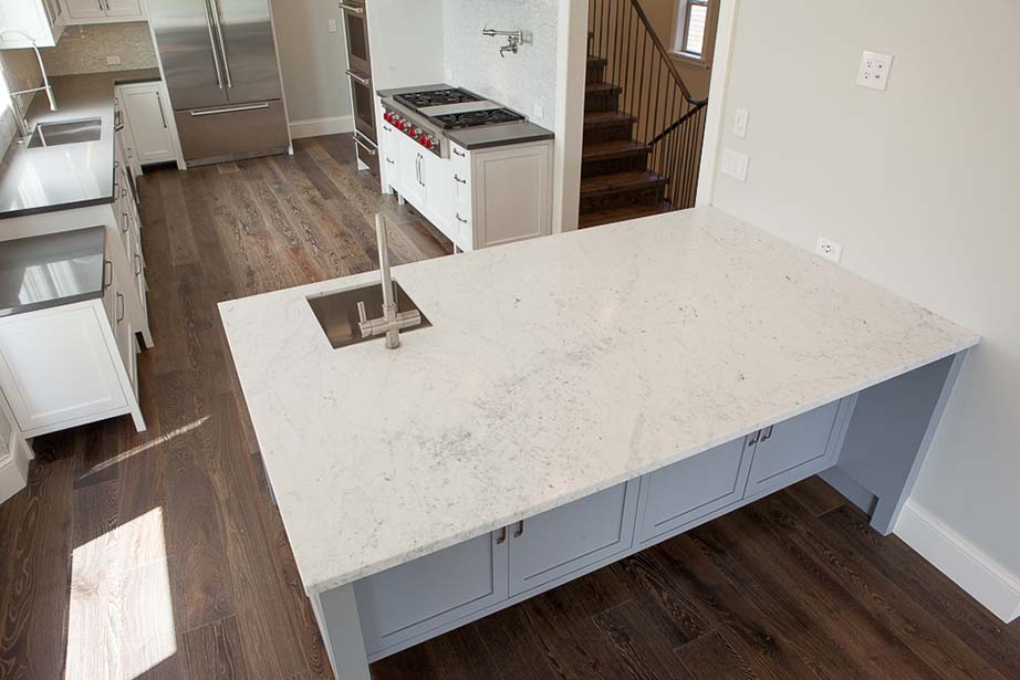 47-Rosewood-DR-Kitchen-45-degree-angle-view.jpg