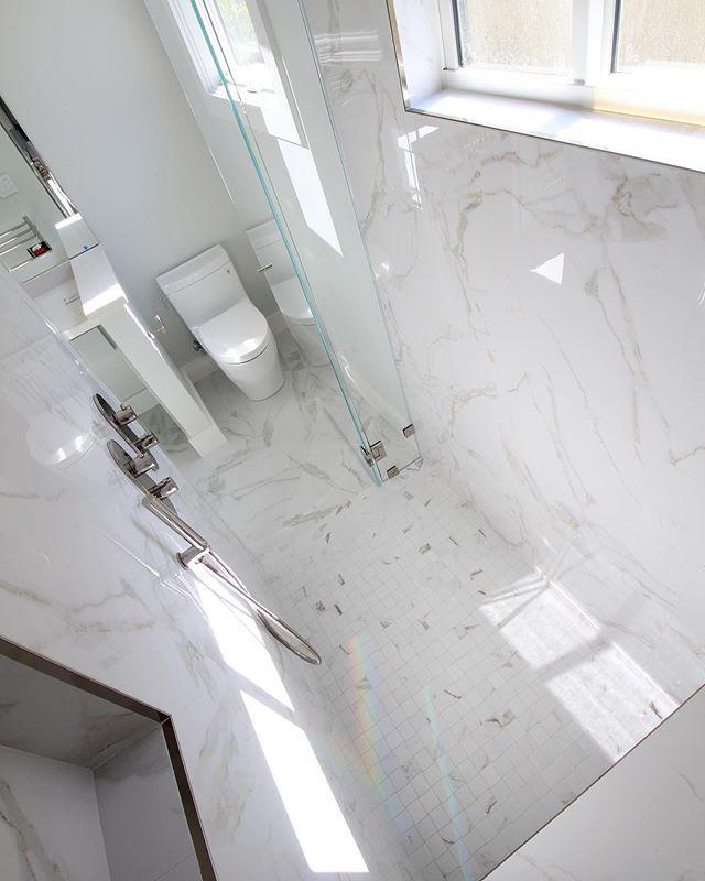 When your #bathroom is so beautiful it✨🌈🌟customconstructionsf @anneromero6072 @mdoeff