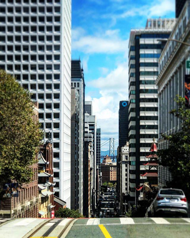 #TGIF #customconstructionsf #sanfrancisco #thecity #downtown #baybridge #theview #skyline #cityscape #japantown