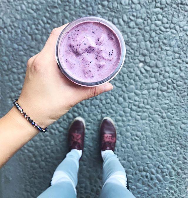 smoothie friday! happy friday! 💜🎉 . . #smoothie #smoothiefriday #smoothieporn #healthyfood #healthyfoodporn #healthyfoodshare #berries #friday #weekend #weekendvibes #happyfriday #healthyeating #healthy #wellness #mindfulness #mindbodygreen #mindbodygram #healthyliving #healthyfoodie #eattherainbow #healthyfoodspo #eatdrinkvegan #eatvegan #drinkvegan #drinkplants #berrysmoothie #eattherainbow #healthybreakfast #fitfood #eatpretty #goodmorning