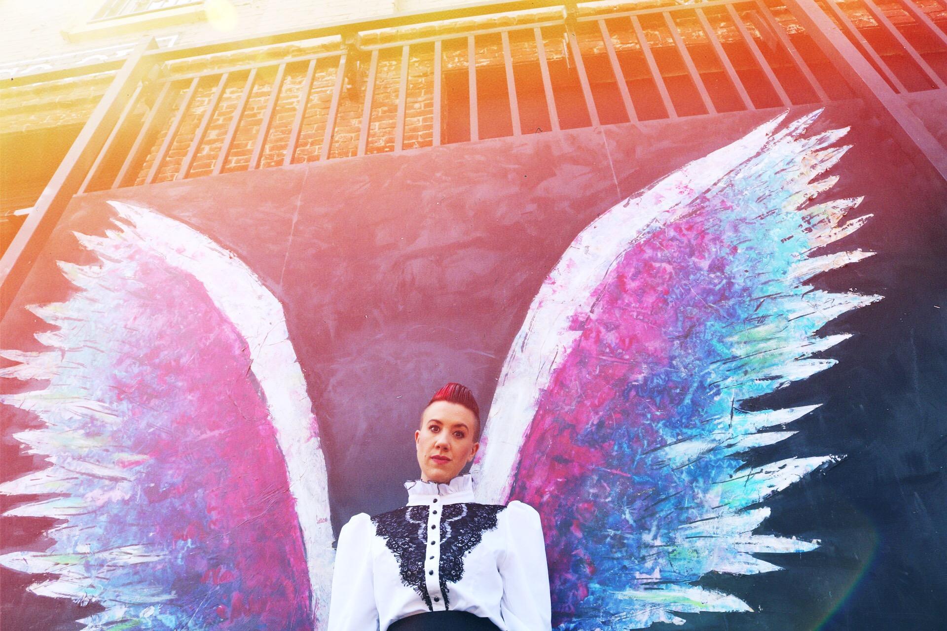 WingsLizziebelow.jpg