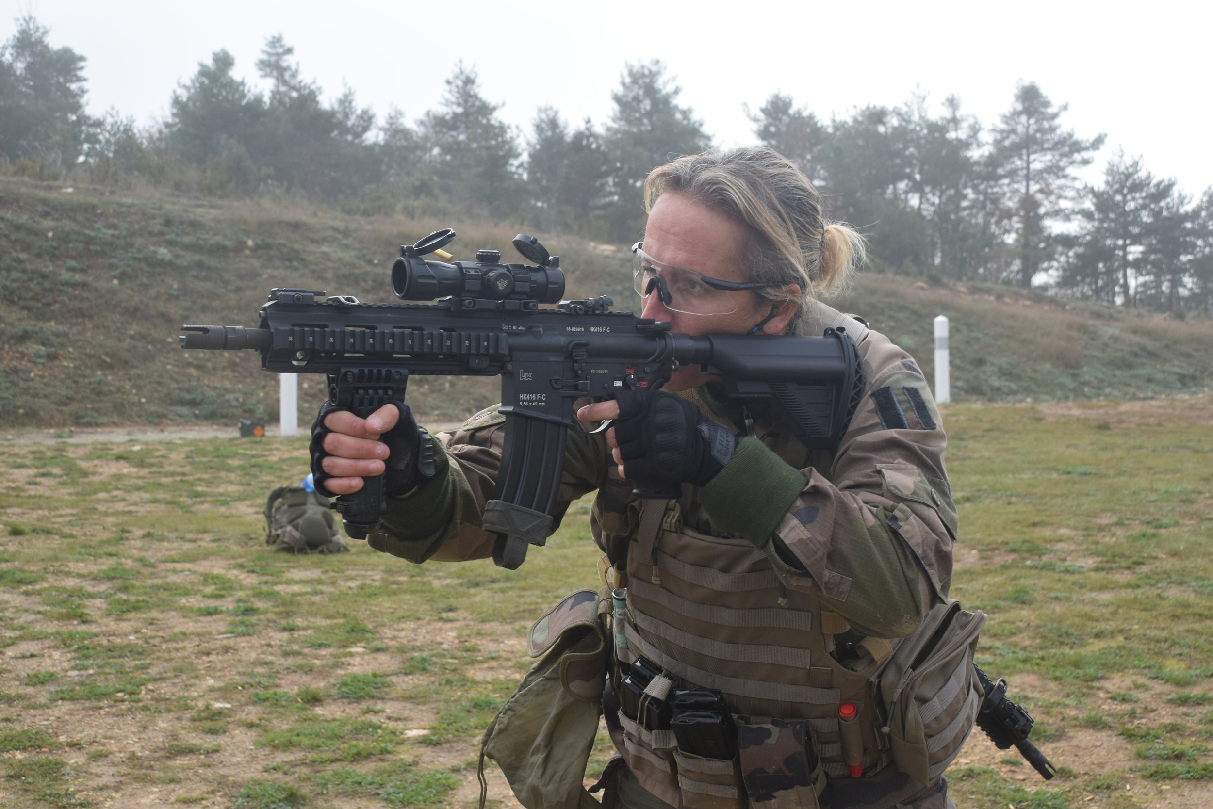 Erika with the HK416. Photo credit: Ministry of the Armed Forces