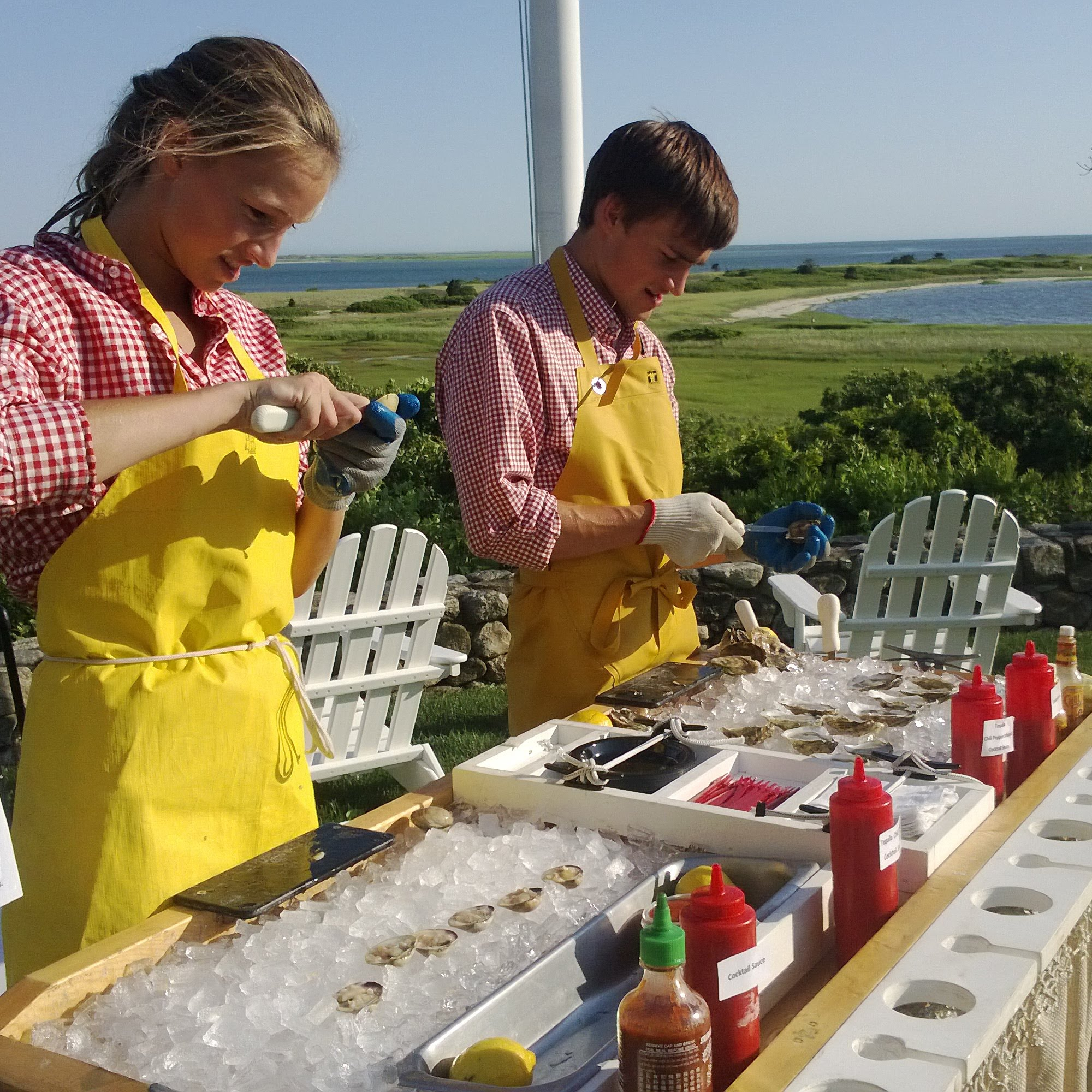 Your Elwood's Raw Bar experience includes:  Local Oysters and Littleneck Clams  Shrimp Cocktail(optional)  Custom designed shucking table  Shucker to open oysters and clams  Raw bar supplies: plates, napkins, cocktail forks, lemons, hot sauces, cocktail sauce and ice.