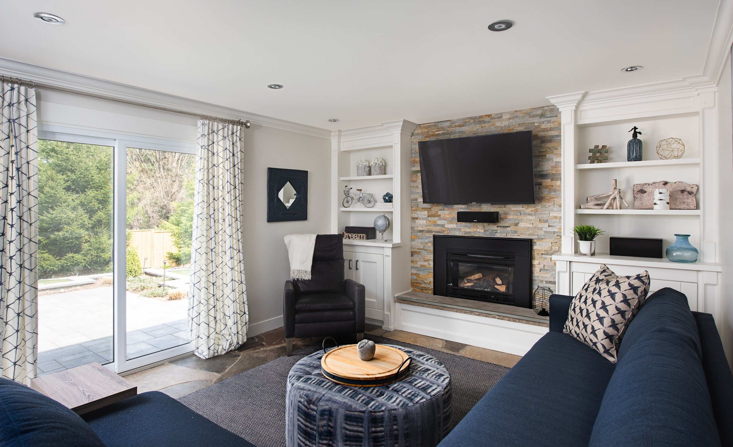 RECESSED LED POT LIGHTS IS ALL THIS COZY FAMILY ROOM NEEDS.