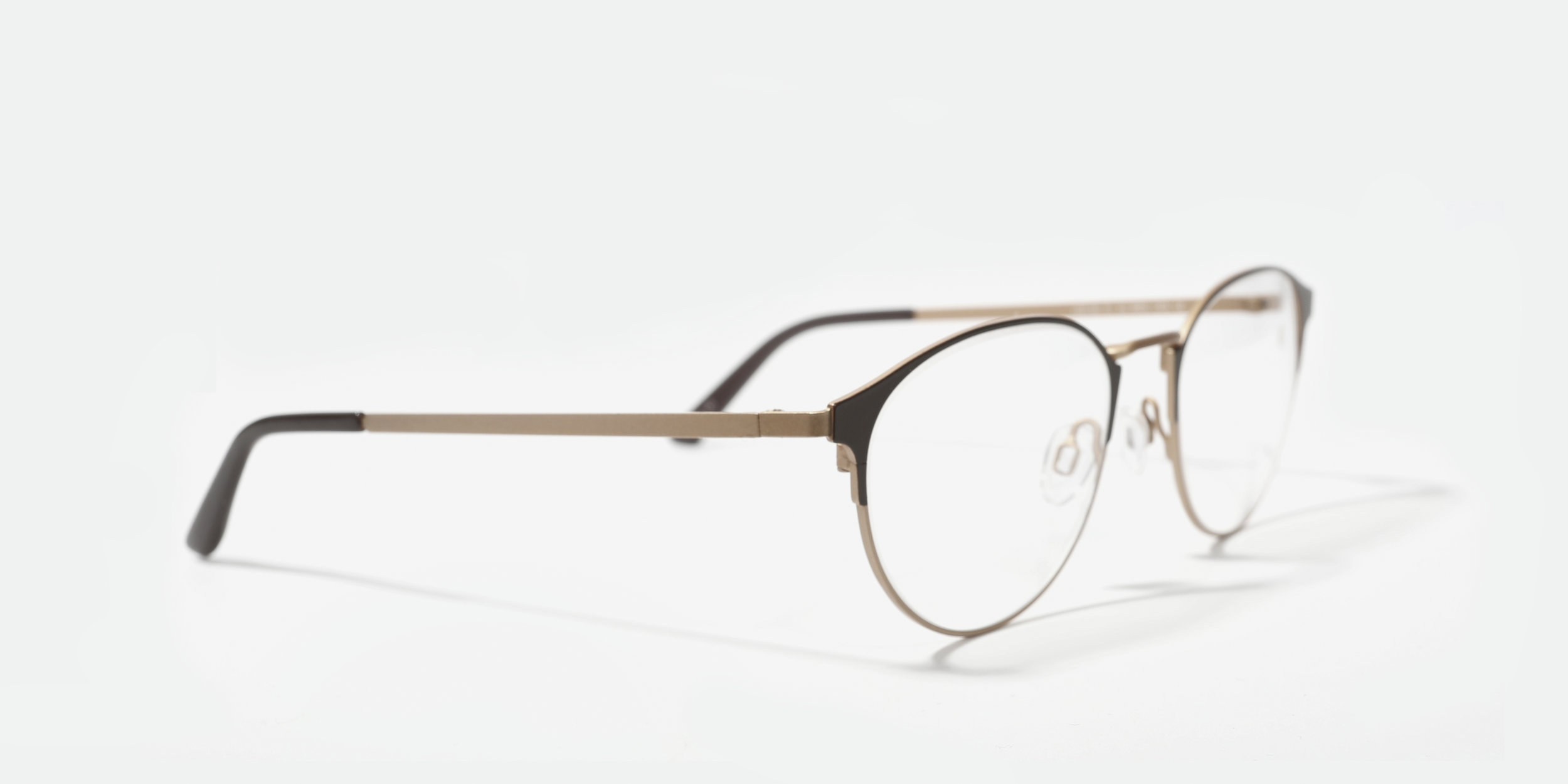 Focused On You - Designing glasses for individuals with exquisite taste, ALFRED SUNG eyewear offers a sleek variety of distinct shapes, colours, and finishes with state-of-the-art features and high-quality materials.