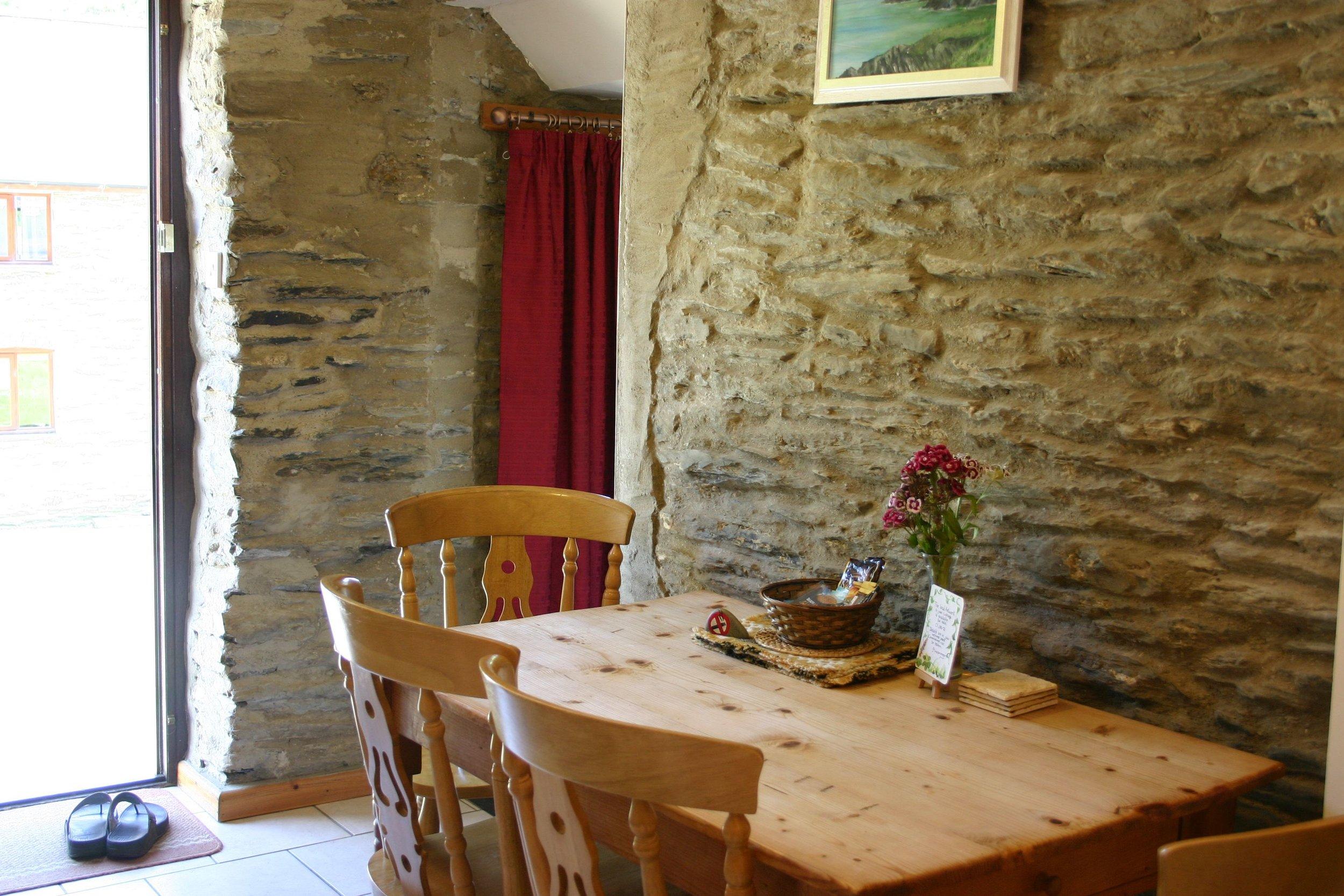 Oak Cottage dining table