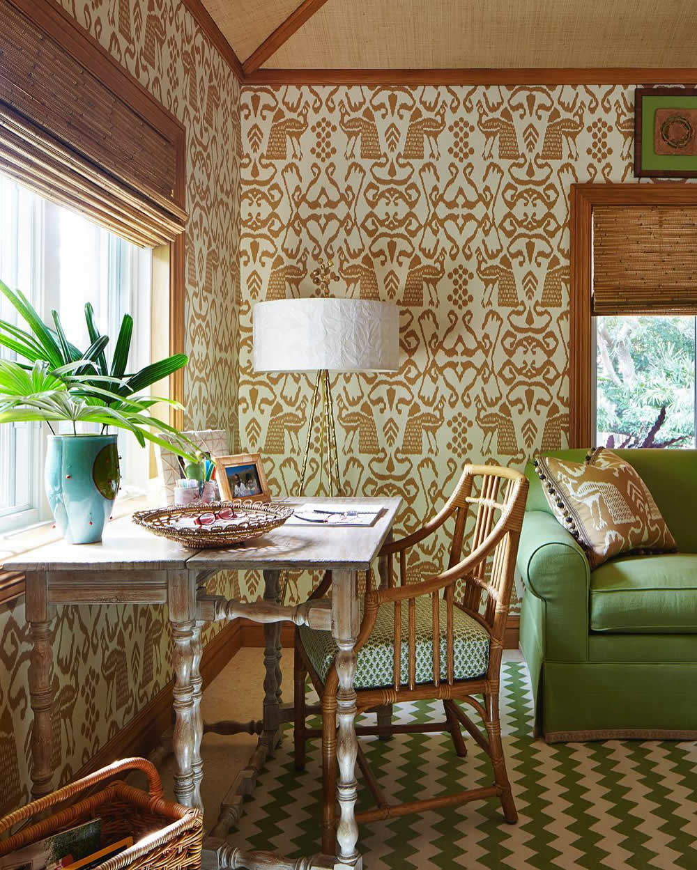 I'm sorry, I don't recall where I found this photo or who designed the room! If anyone knows, please message me and I'll add the link. The patterned wallpaper is from the  China Seas collection for Quadrille Fabrics .