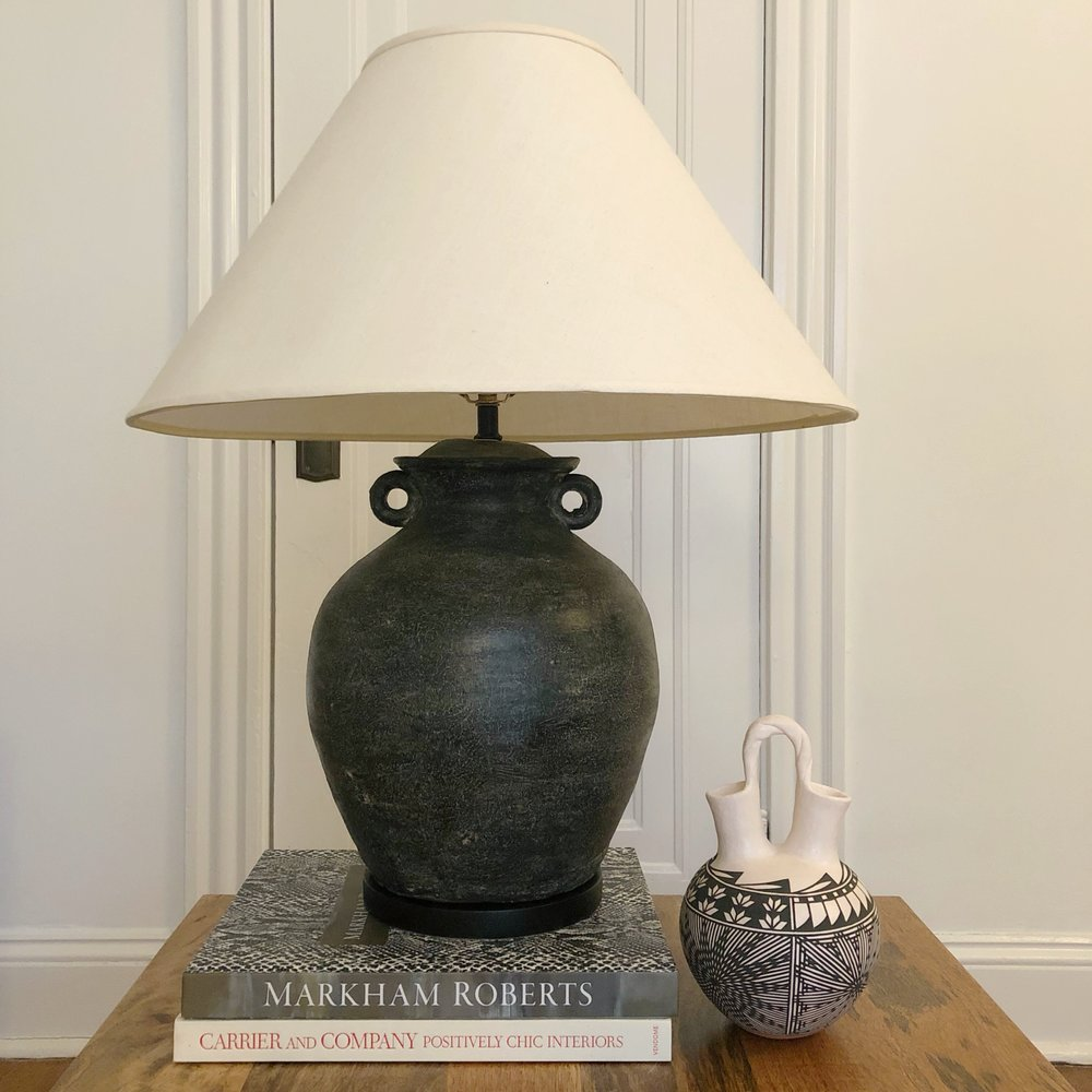 jug table lamp
