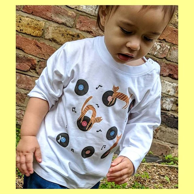 Disco cat t-shirt 🐾🎼 use discount code 'christmas' at checkout to get 30% off all t-shirts as a little early bird crimbo treat. I've sold out of a couple of sizes already so please get your orders in!!