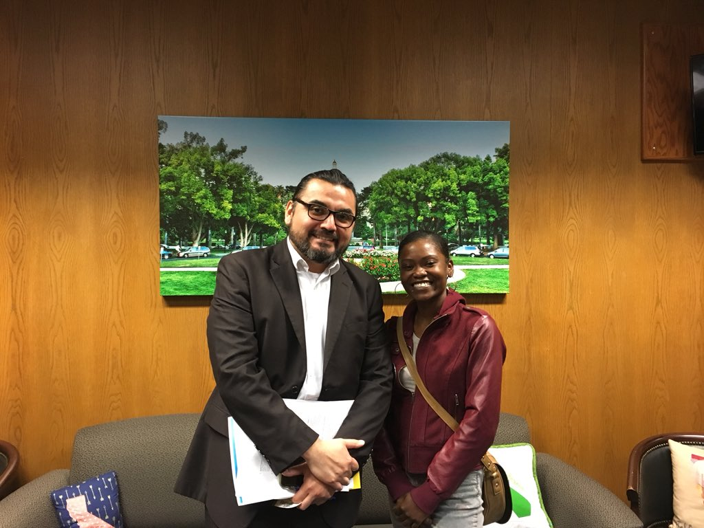 Student advocate Kashmiere Young (SMAC fellow on right)