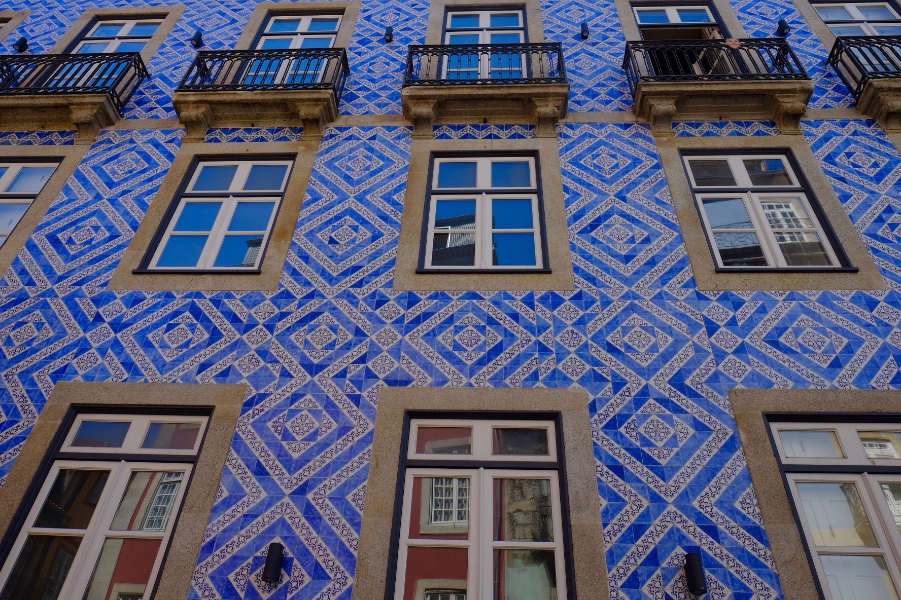 building in Porto   .jpeg