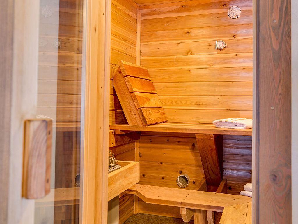 Master Suite Sauna.jpeg