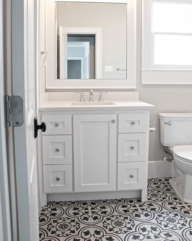 It is all about the tile!!! The fun tile in this guest bath makes a statement that everyone remembers. Urban Craftsman can help you create your own new construction or renovation masterpiece!  #guestbath #bathroominspiration #customhome #buildinhouston  #urbancraftsmanhtx