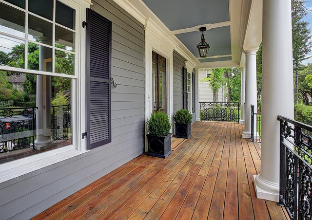 Take a look at this gorgeous porch designed and crafted by our team. What a perfect place to relax and unwind after work! #urbancraftsmanhtx #buildinhouston #customhomes #porchinspiration