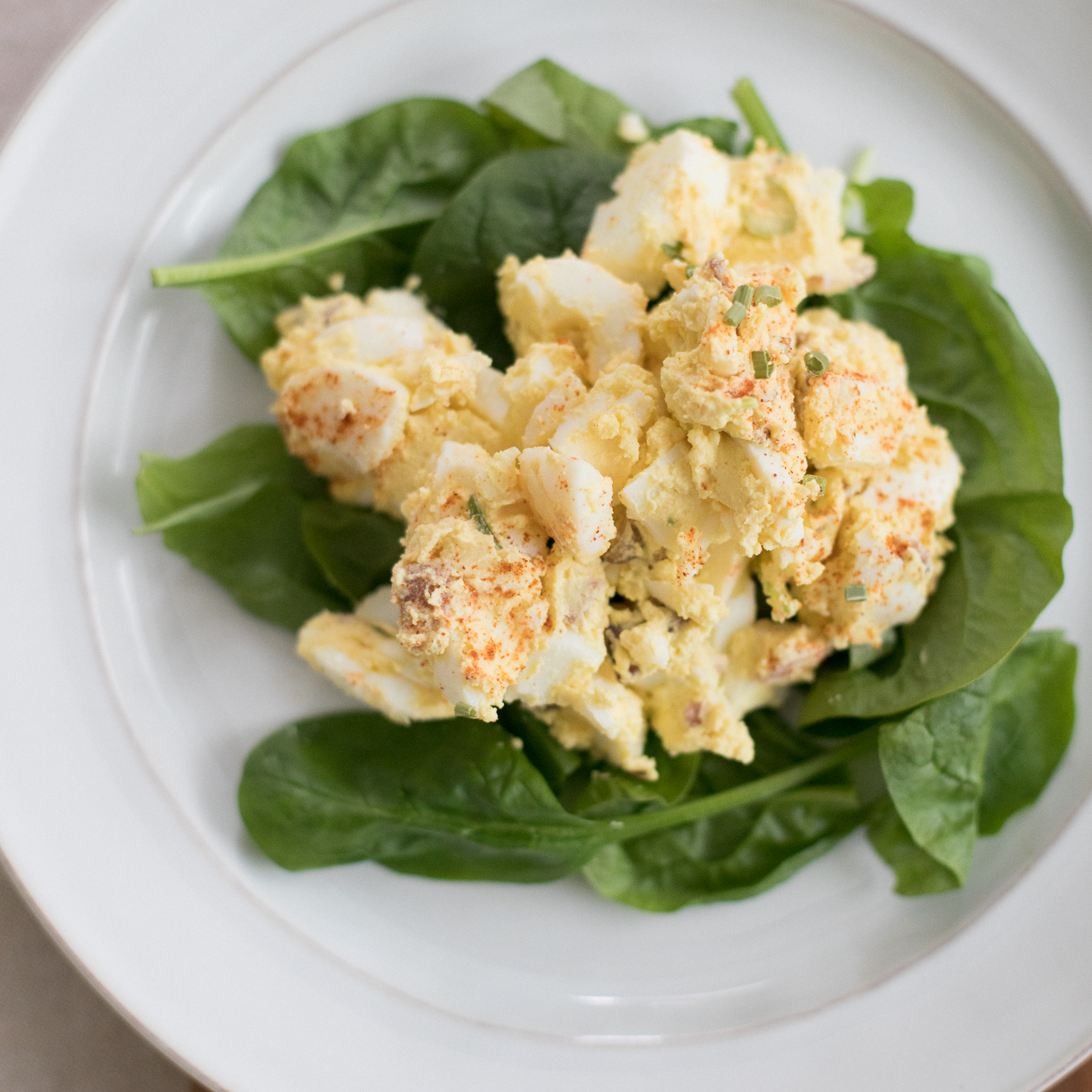 Neeleys-Bulk-Egg-Salad-on-Spinach.jpg