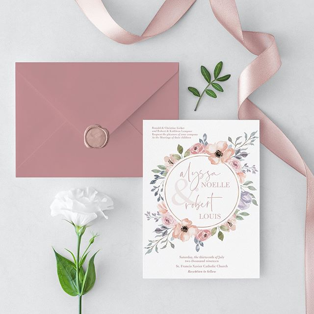 1️⃣, 2️⃣ or 3️⃣? Swipe through these amazing design options for one of my favorite couples and and comment your fave! . . Design: @emilygodbeydesign  Envelopes: @cardsandpockets Printing: Adkins Printing . . #weddingstationery #invitations #cle #clewedding #stationerydesigner #stationery
