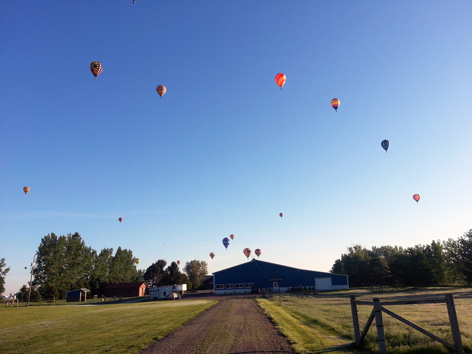 balloons over KLC_med.jpg