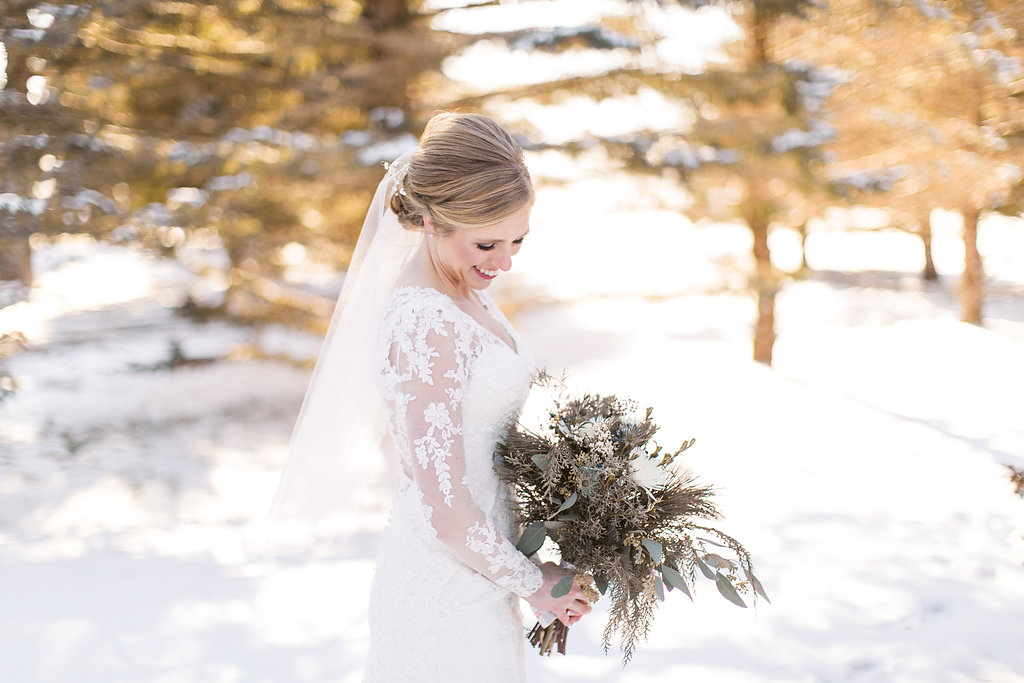 Bekah + Sam :: Claire Murray Photography :: Glenhaven Fab Wedding venue in Minnesota :: winter wedding55.jpg