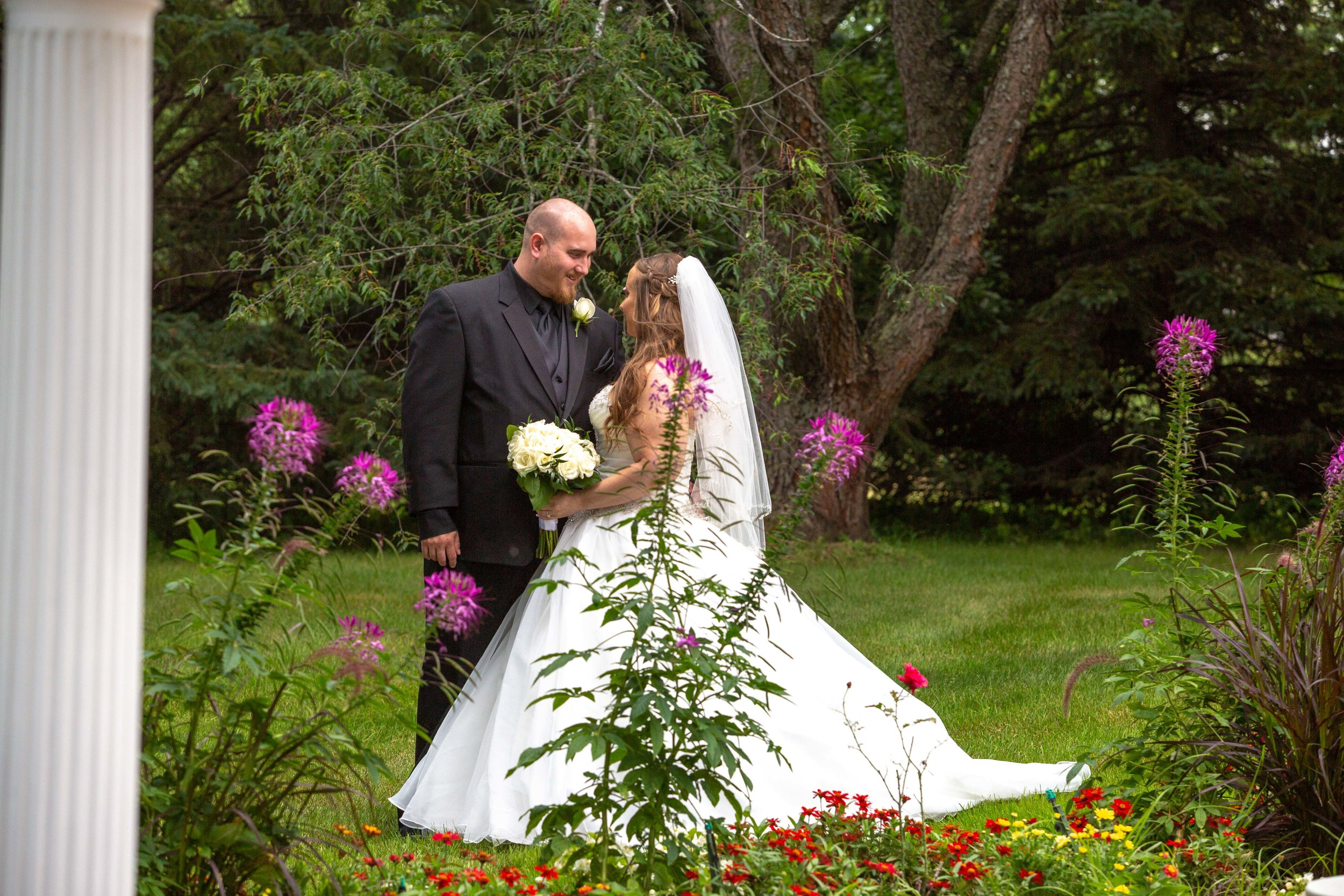 Cindyrella's Garden, Fab Weddings, outdoor Minnesota ceremony, Rosemount wedding, south metro, garden ceremony