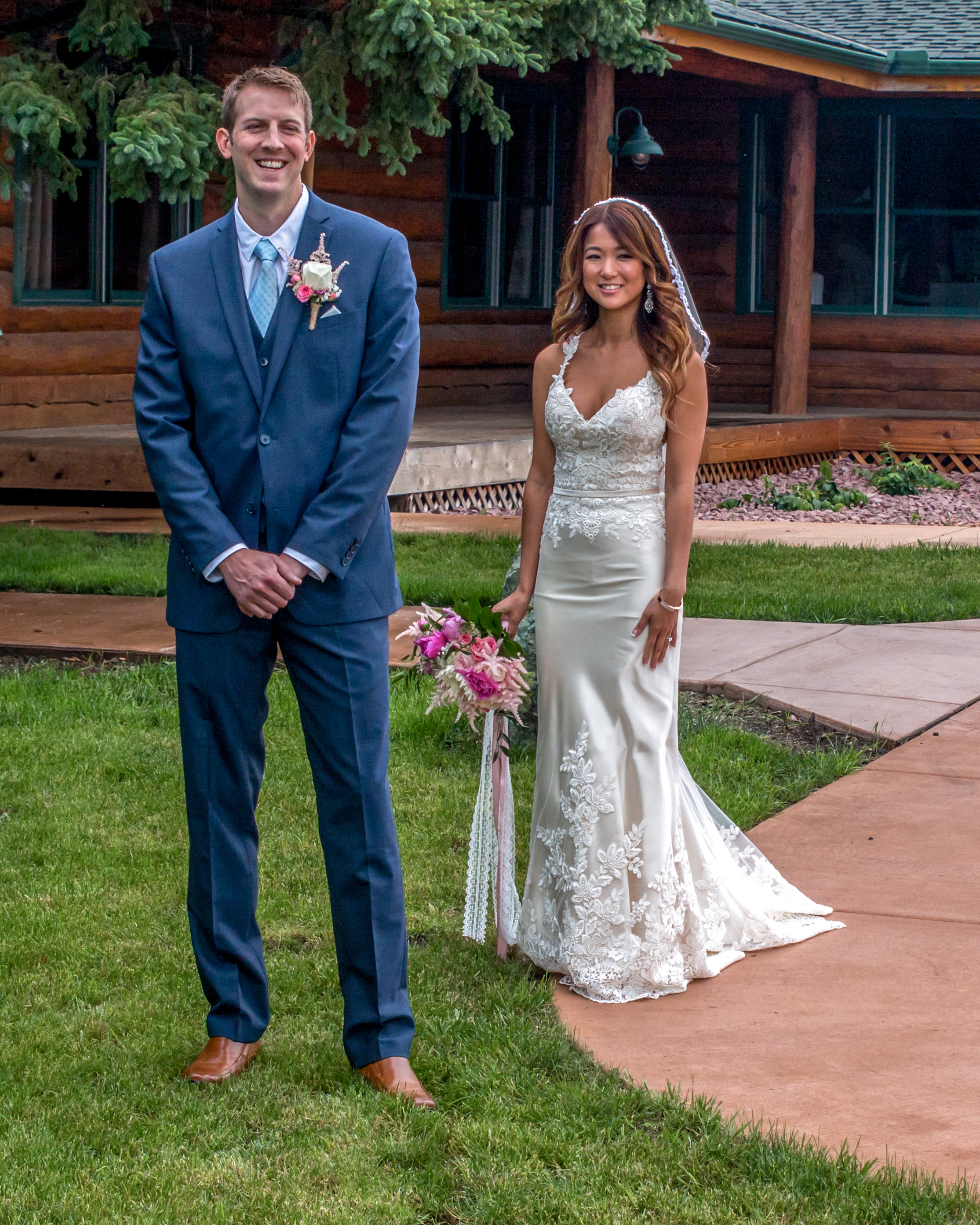 Minnesota Wedding at Glenhaven, outdoor ceremony, Fab Weddings, blue tie