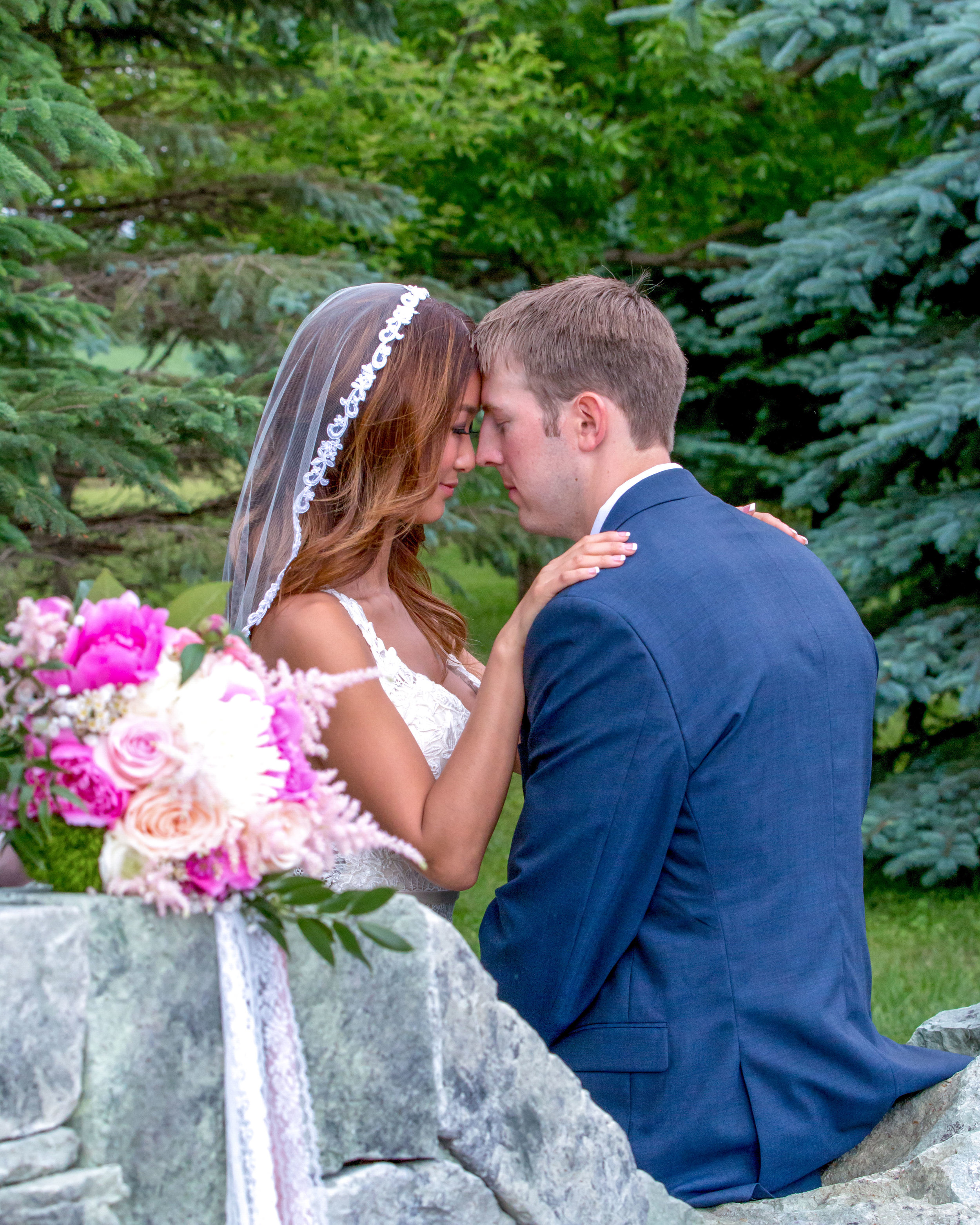 Minnesota Wedding at Glenhaven, outdoor ceremony, Fab Weddings, bride with veil