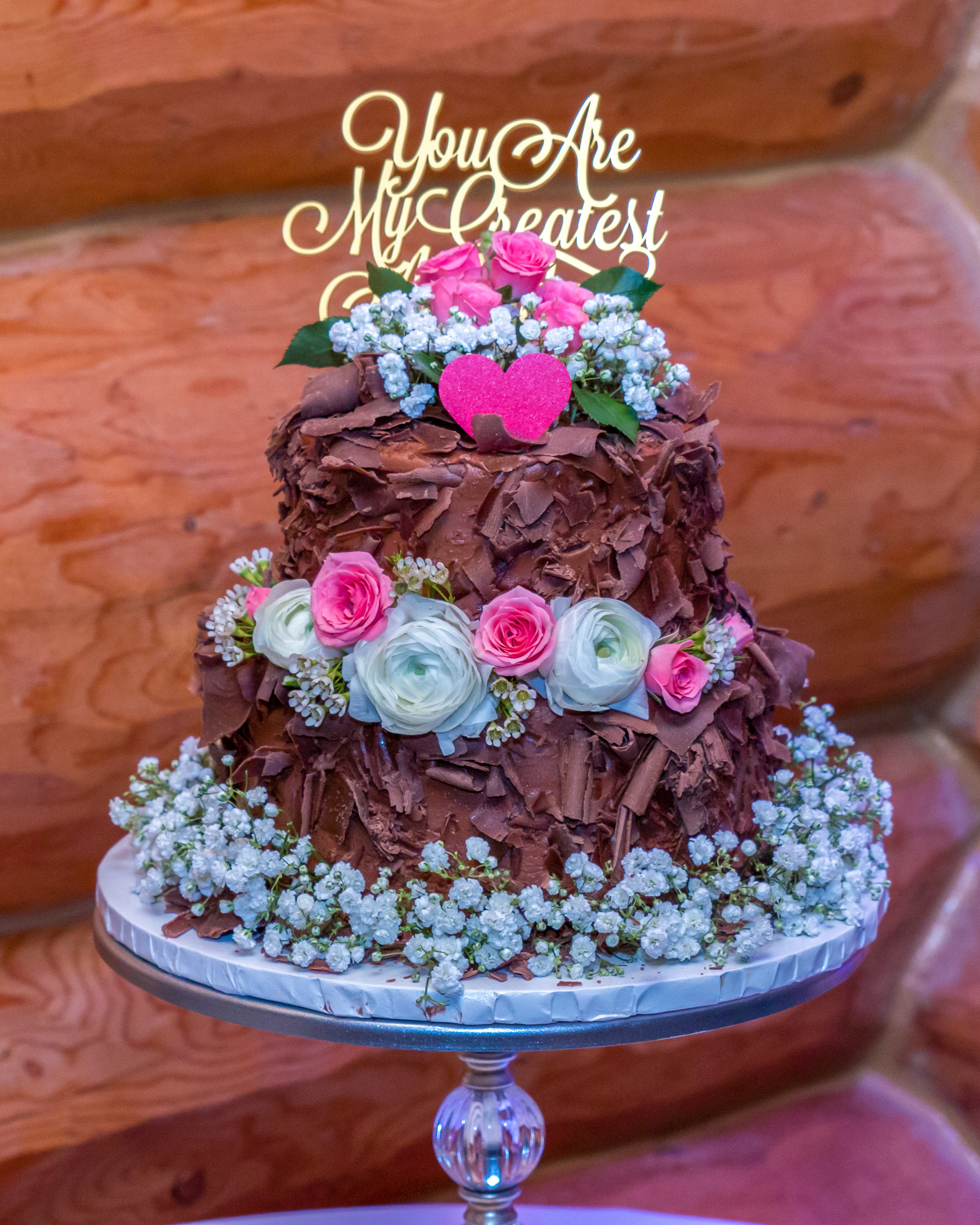 Minnesota Wedding at Glenhaven, outdoor ceremony, Fab Weddings, chocolate cake with flowers