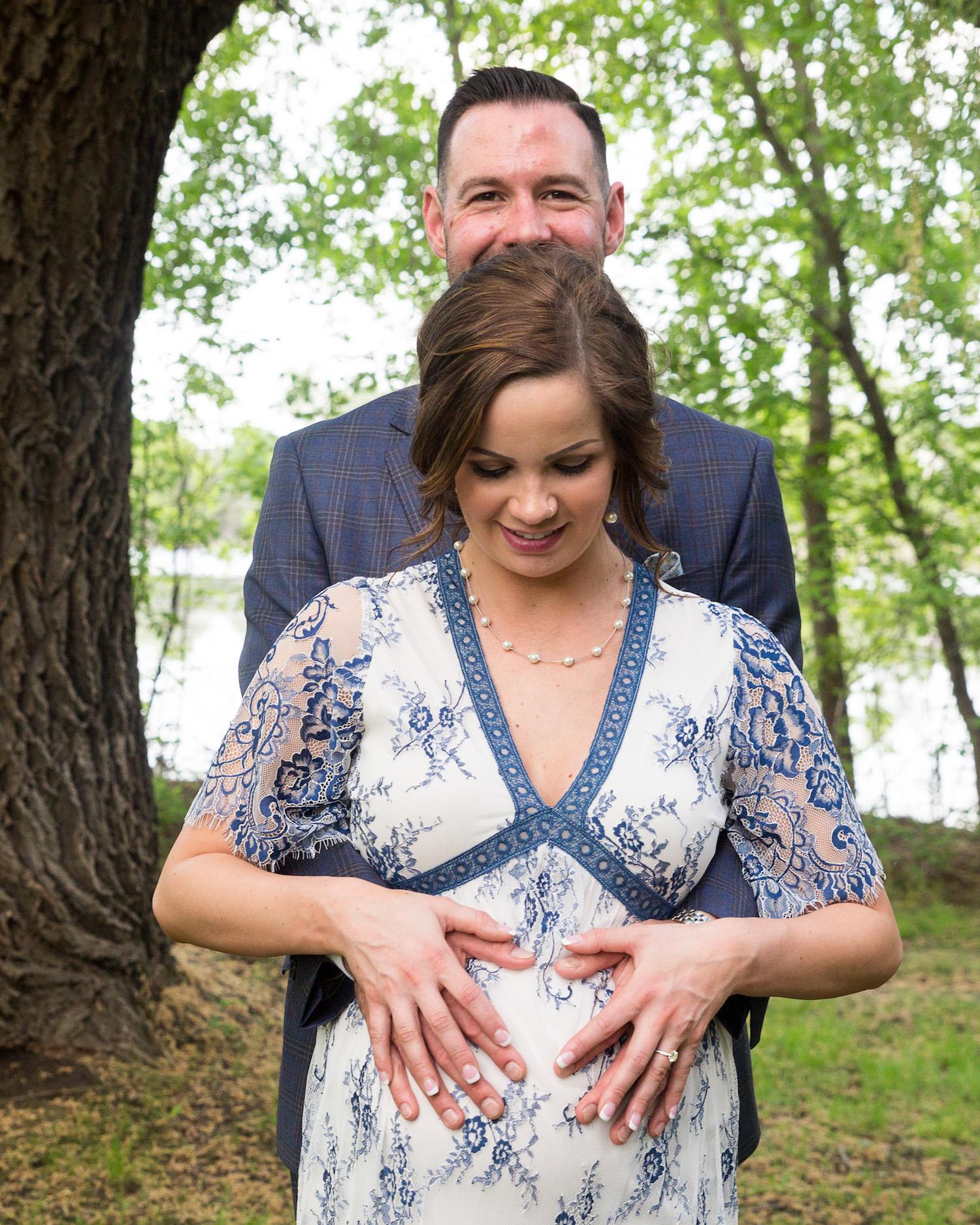 Cindyrella's Garden, pregnant bride in blue and white lace wedding dress, pregnancy photo