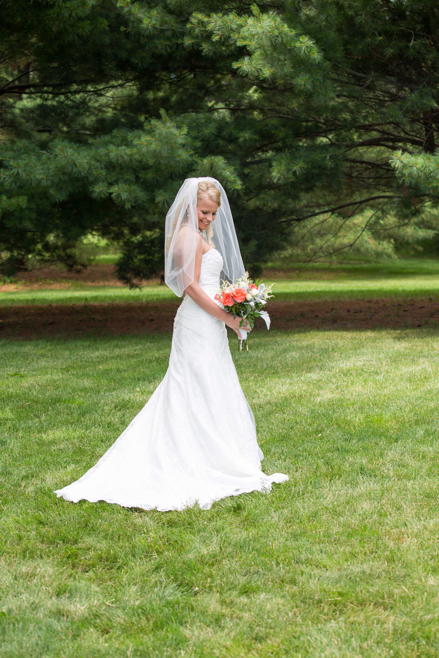 Cindyrellas Garden, outdoor lake ceremony in Minnesota, grassy photo