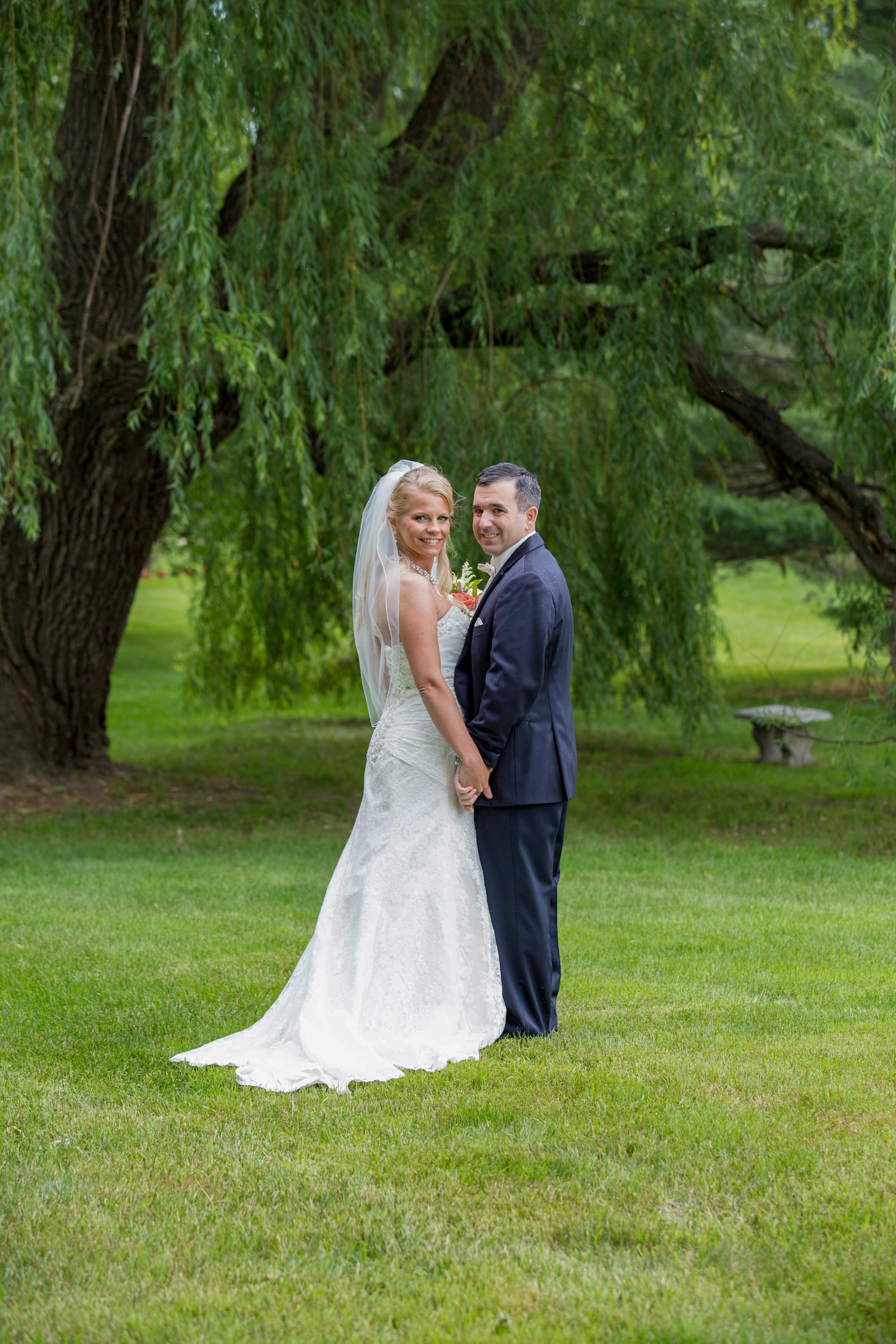 Cindyrellas Garden, outdoor lake ceremony in Minnesota, willow tree