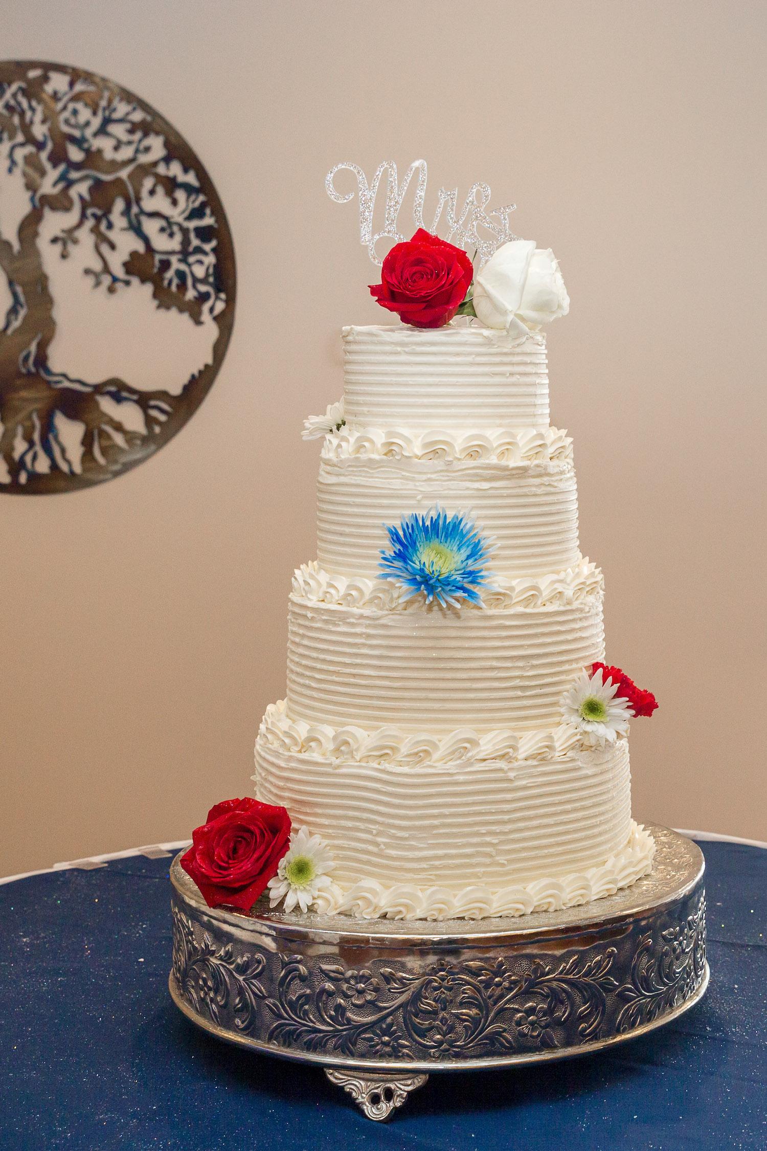 Rosehenge wedding, Lakeville wedding venue, affordable wedding venue in south Minnesota, tiered wedding cake