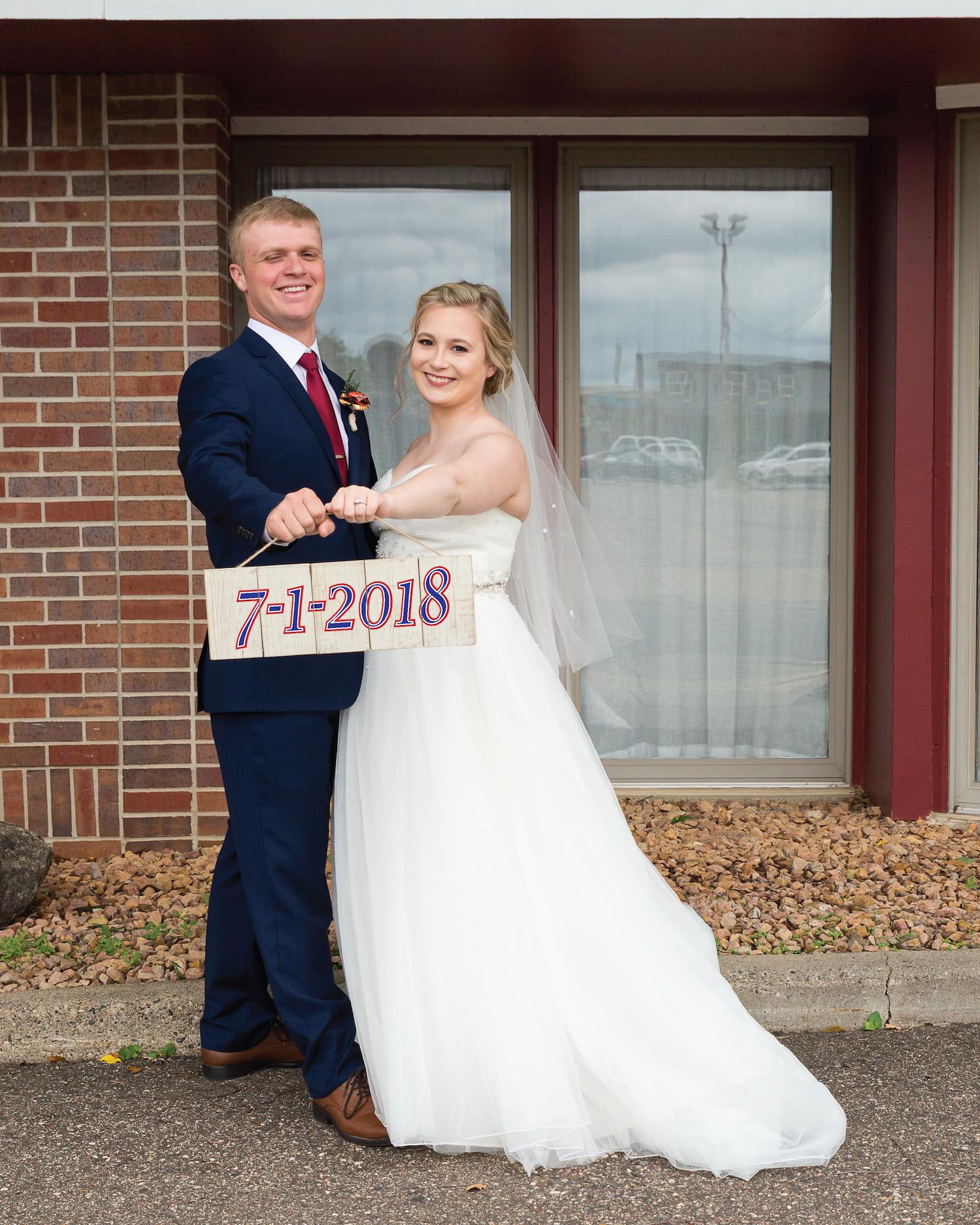 Rosehenge wedding, Lakeville wedding venue, affordable wedding venue in south Minnesota, wedding date wood sign