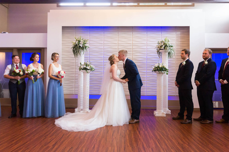 Rosehenge wedding, Lakeville wedding venue, affordable wedding venue in south Minnesota, first kiss
