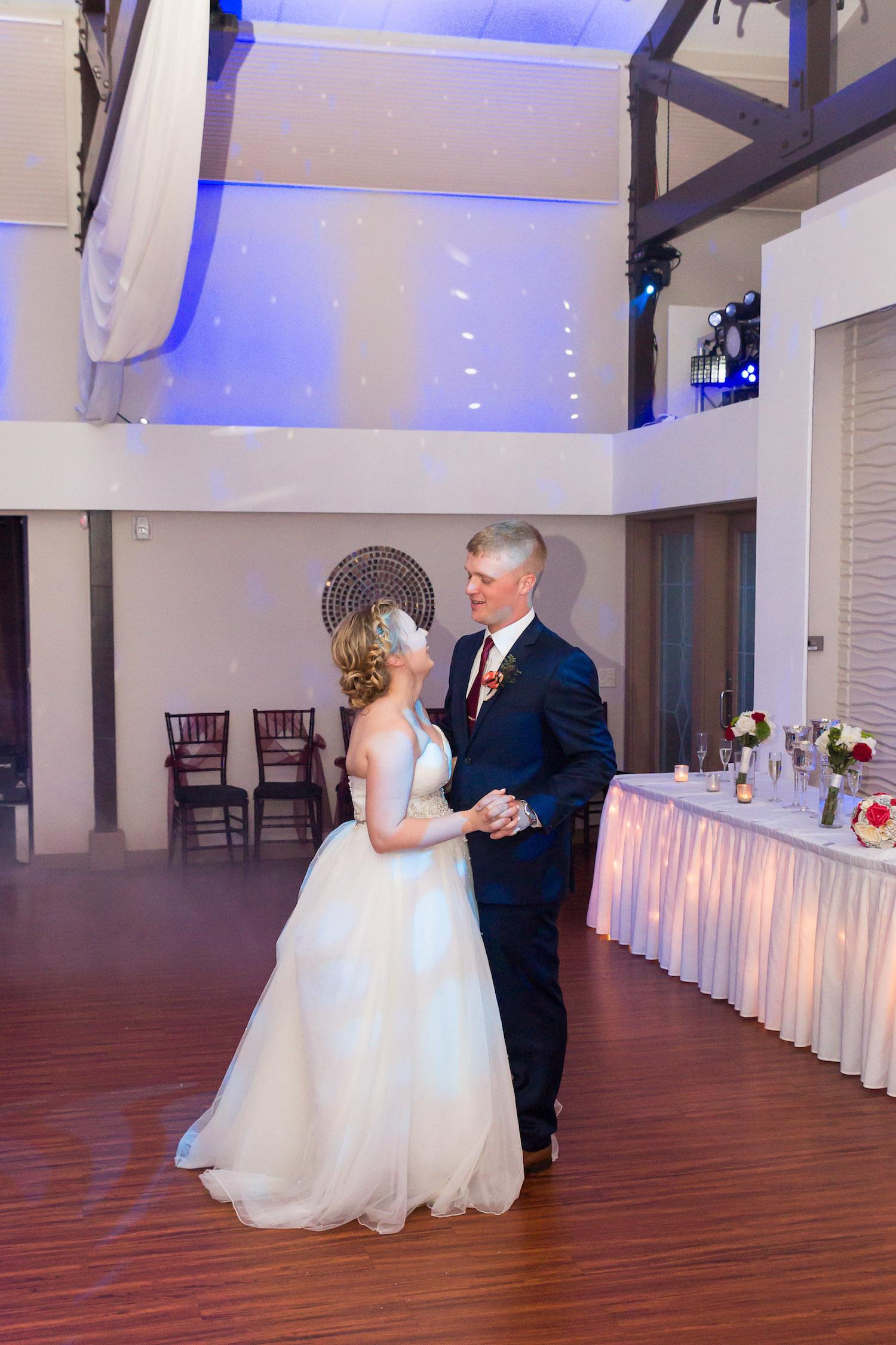 Rosehenge wedding, Lakeville wedding venue, affordable wedding venue in south Minnesota, first dance