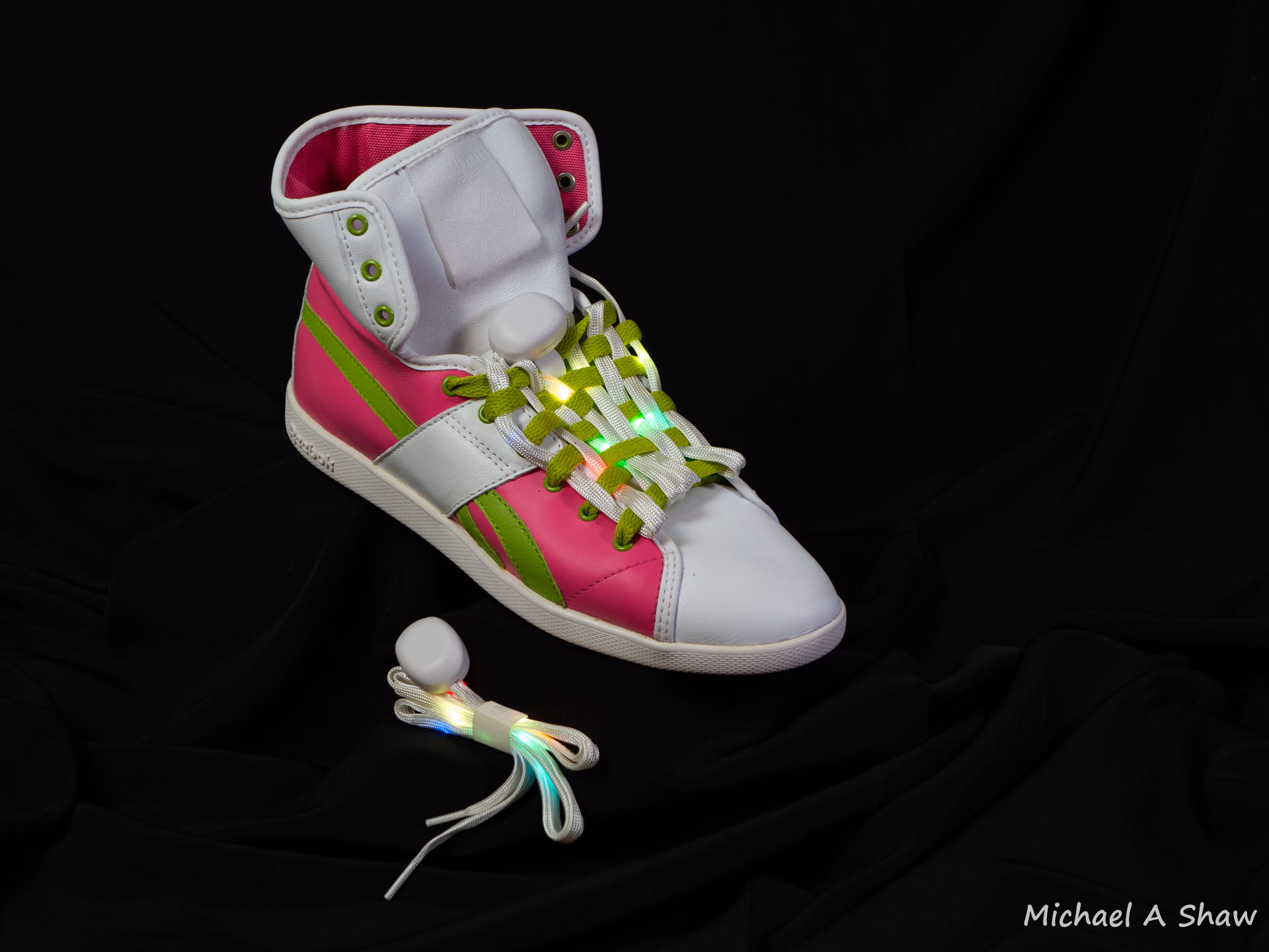 Example Project - Shoe lghts - shoelace pod web.jpg
