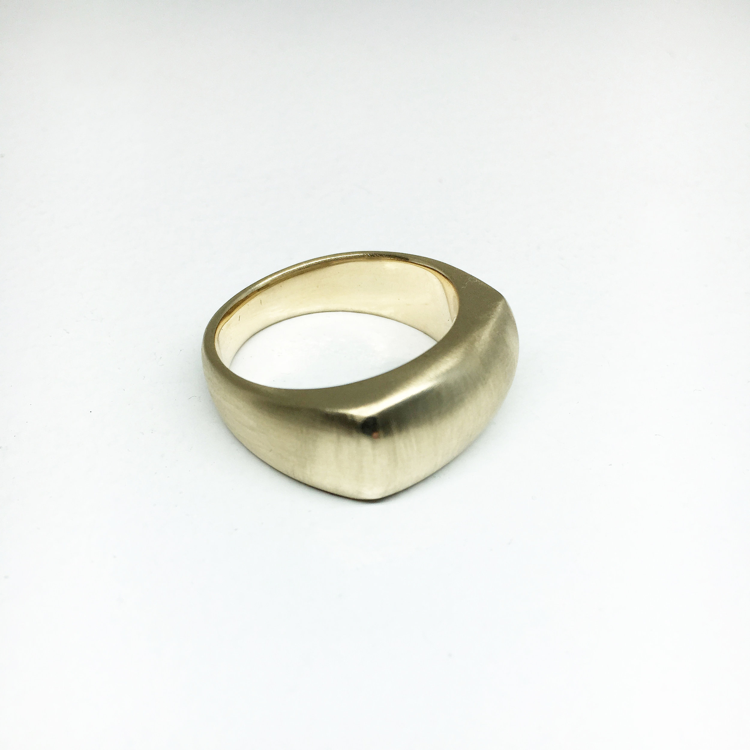 MUHAMED RING - Cushion Top Signet, 14k yellow gold